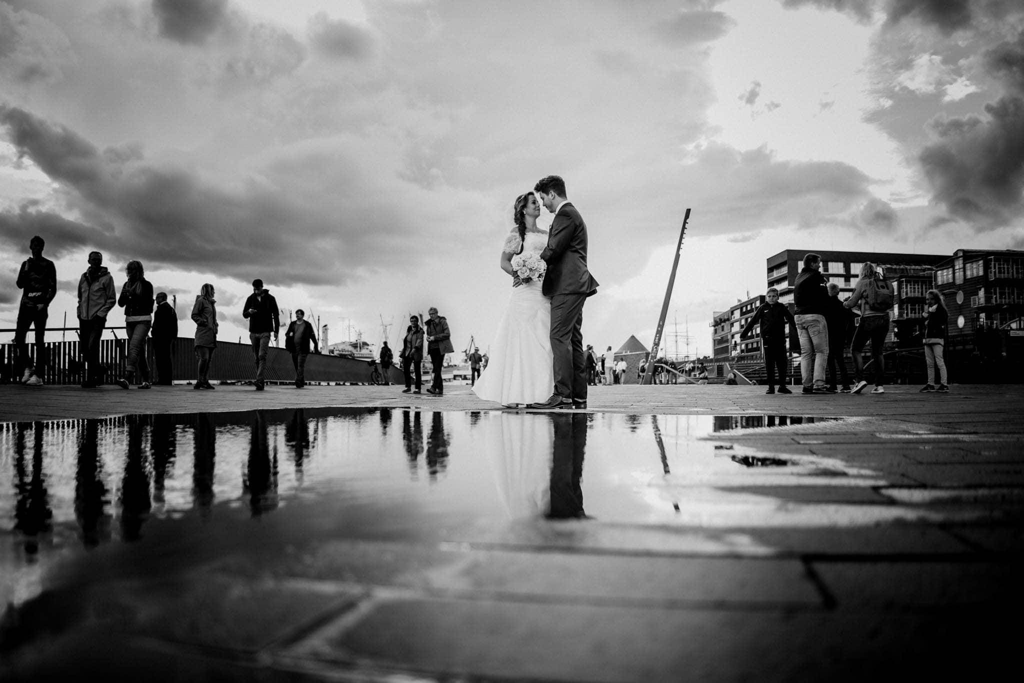 Hochzeitsfieber by Photo-Schomburg, Wedding, Hochzeitsfotograf, Hochzeitspaar, Braut, Bräutigam, Hochzeitstag, Hamburg, Landungsbrücken, Hafenliebe-107