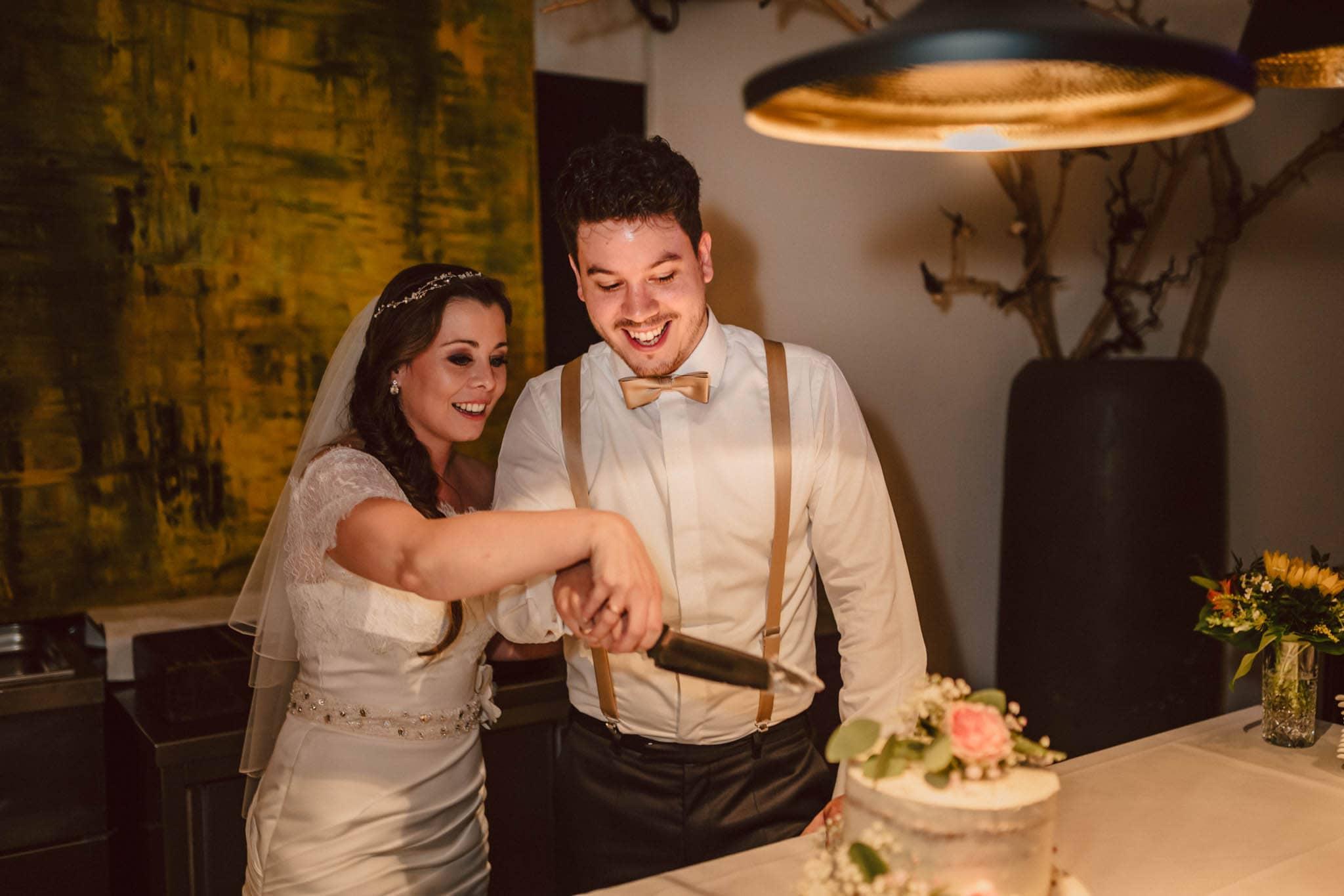 Hochzeitsfieber by Photo-Schomburg, Wedding, Hochzeitsfotograf, Hochzeitspaar, Braut, Bräutigam, Hochzeitstag, Hamburg, Landungsbrücken, Hafenliebe-120