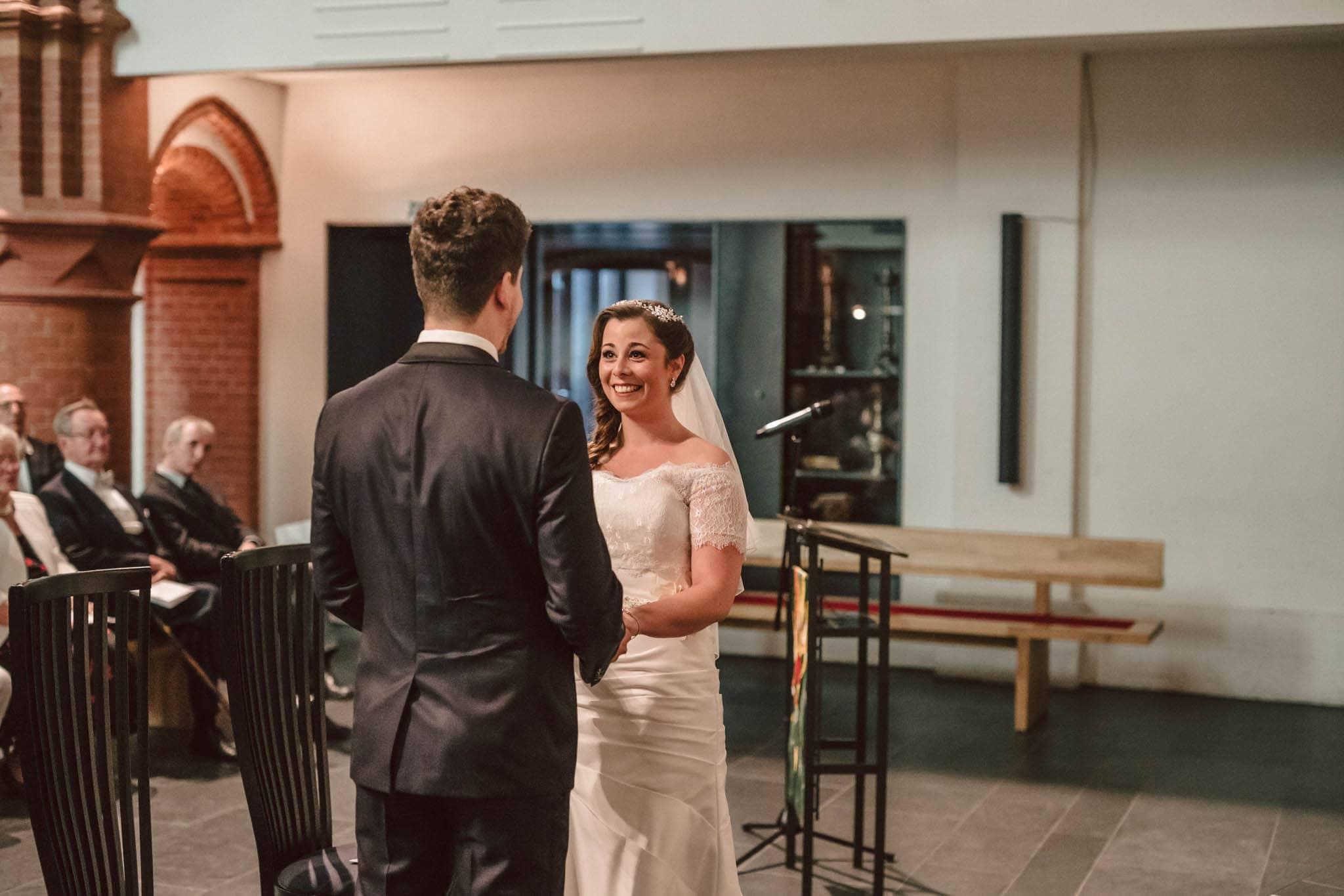 Hochzeitsfieber by Photo-Schomburg, Wedding, Hochzeitsfotograf, Hochzeitspaar, Braut, Bräutigam, Hochzeitstag, Hamburg, Landungsbrücken, Hafenliebe-61