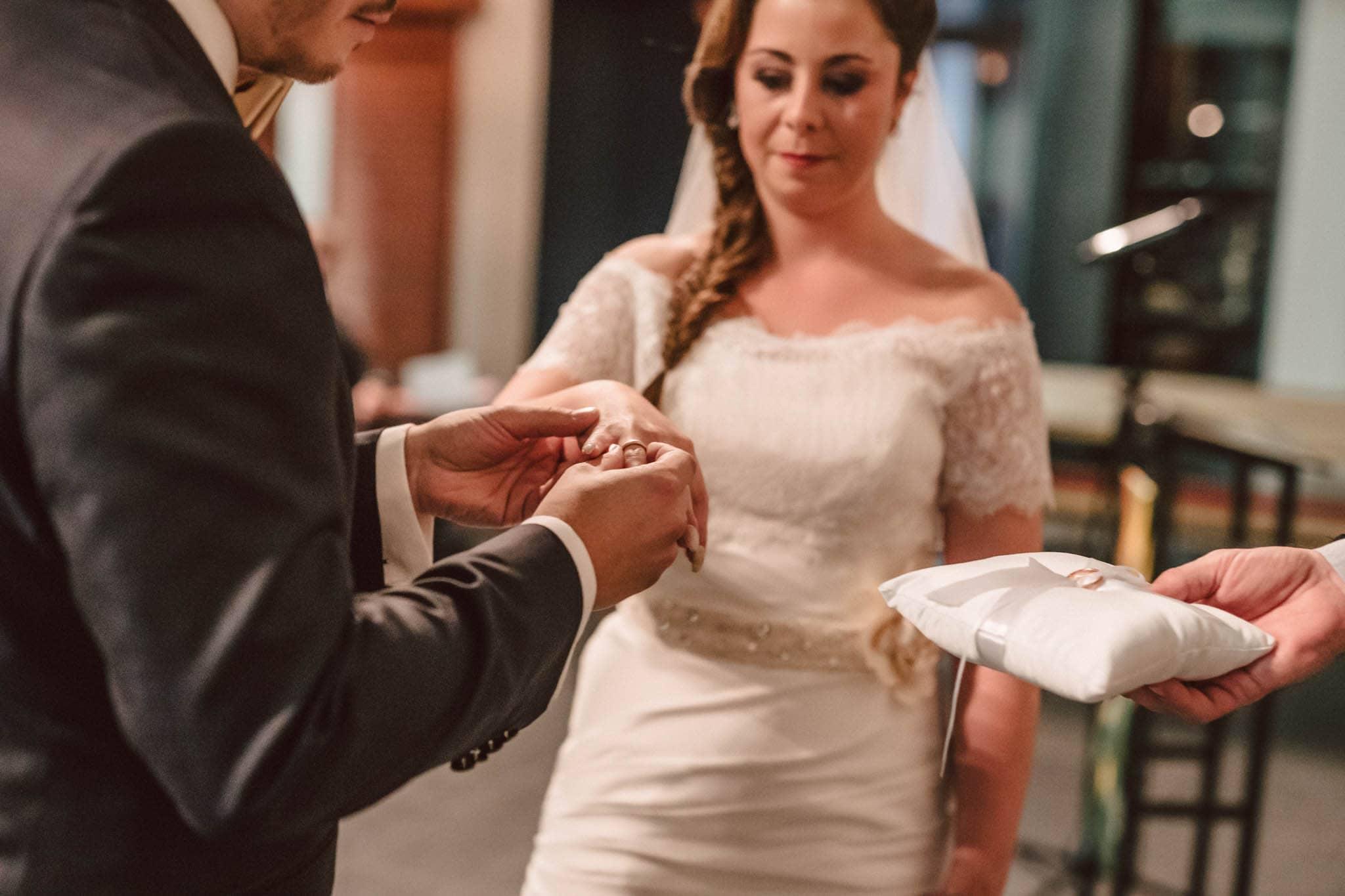 Hochzeitsfieber by Photo-Schomburg, Wedding, Hochzeitsfotograf, Hochzeitspaar, Braut, Bräutigam, Hochzeitstag, Hamburg, Landungsbrücken, Hafenliebe-62
