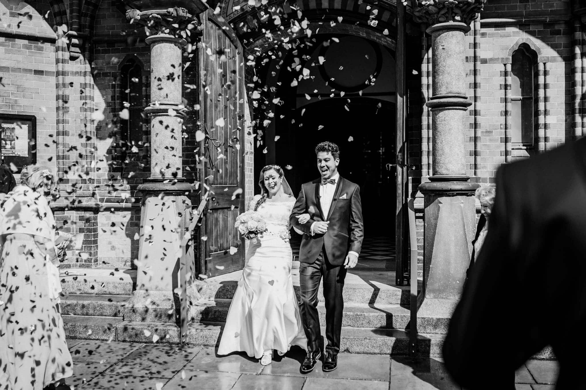 Hochzeitsfieber by Photo-Schomburg, Wedding, Hochzeitsfotograf, Hochzeitspaar, Braut, Bräutigam, Hochzeitstag, Hamburg, Landungsbrücken, Hafenliebe-70