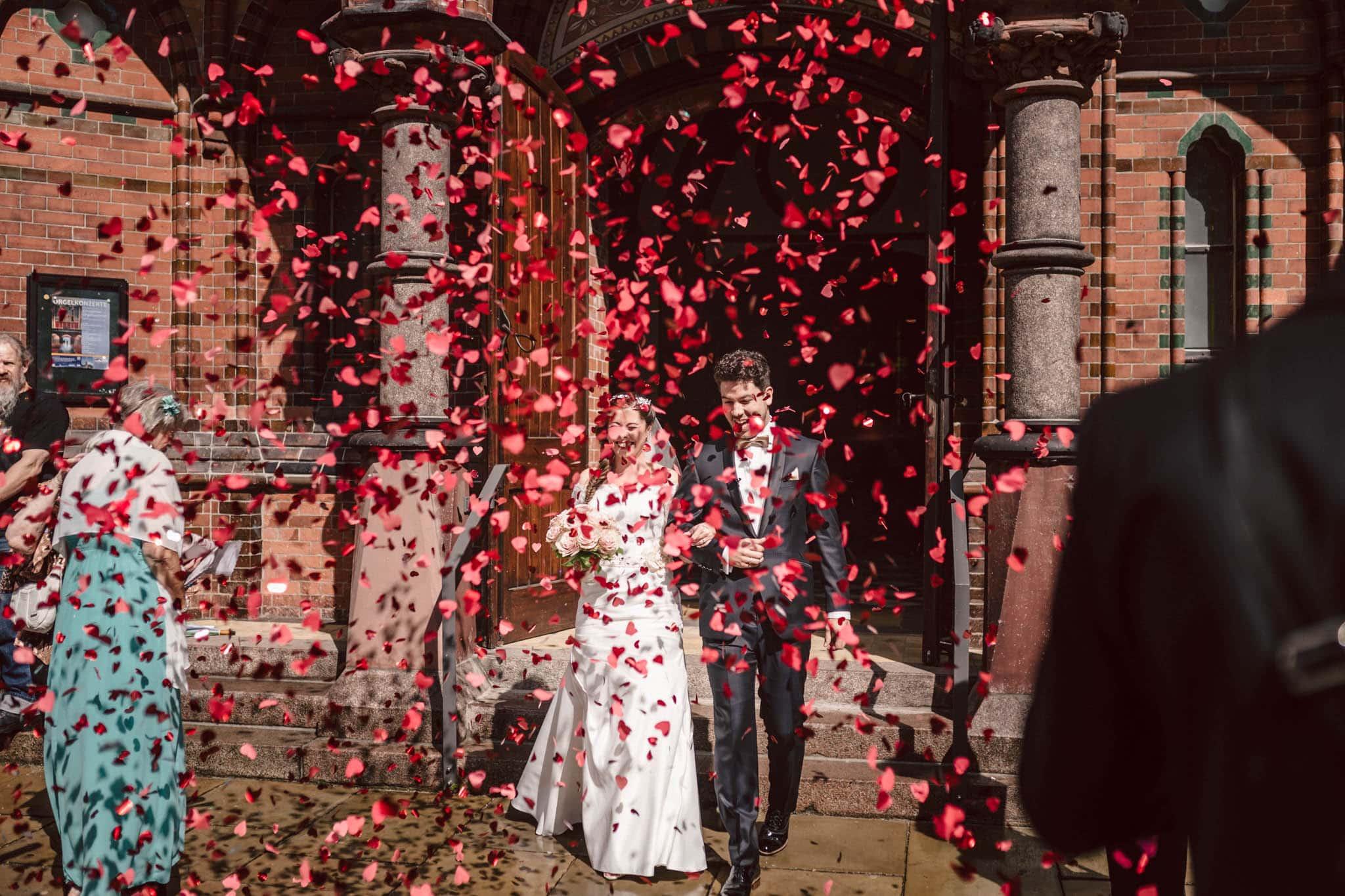 Hochzeitsfieber by Photo-Schomburg, Wedding, Hochzeitsfotograf, Hochzeitspaar, Braut, Bräutigam, Hochzeitstag, Hamburg, Landungsbrücken, Hafenliebe-71
