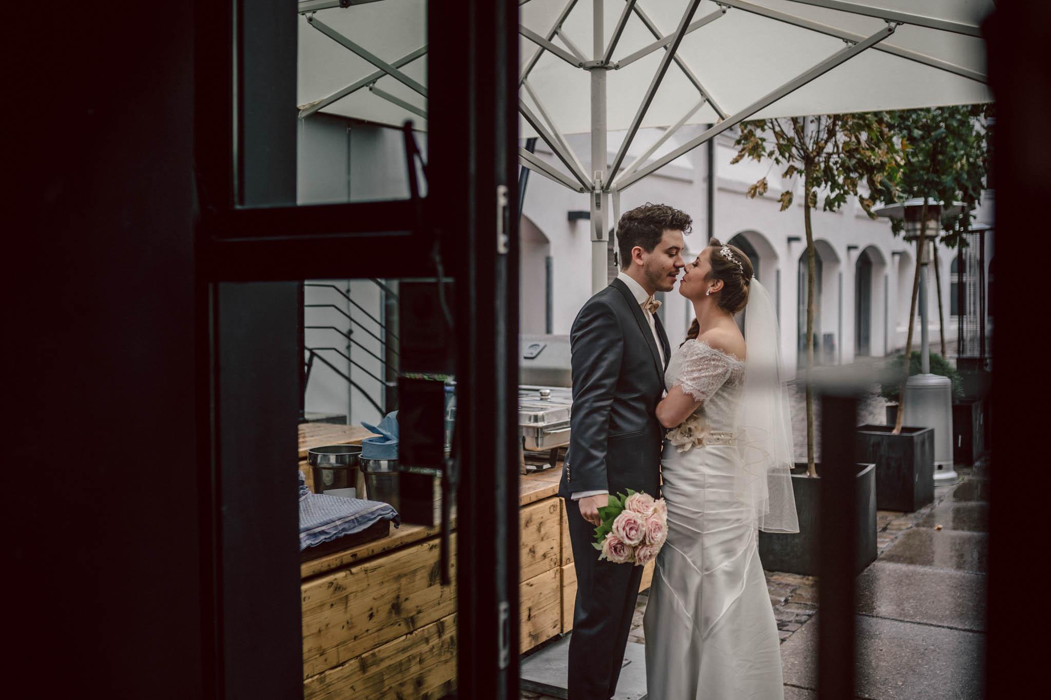 Hochzeitsfieber by Photo-Schomburg, Wedding, Hochzeitsfotograf, Hochzeitspaar, Braut, Bräutigam, Hochzeitstag, Hamburg, Landungsbrücken, Hafenliebe-87