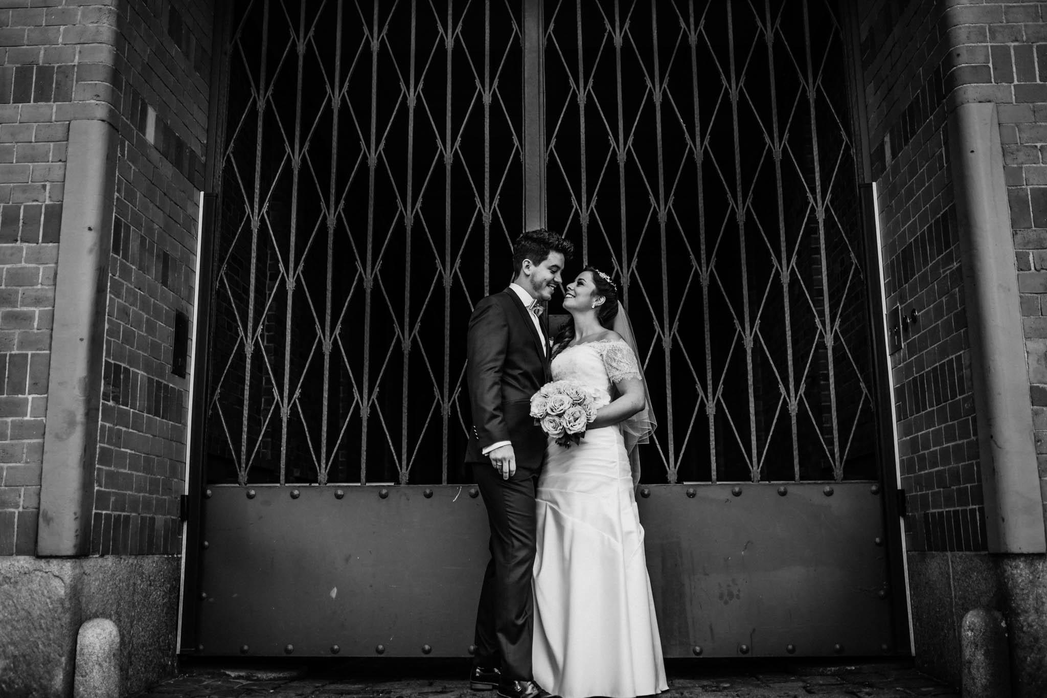 Hochzeitsfieber by Photo-Schomburg, Wedding, Hochzeitsfotograf, Hochzeitspaar, Braut, Bräutigam, Hochzeitstag, Hamburg, Landungsbrücken, Hafenliebe-92