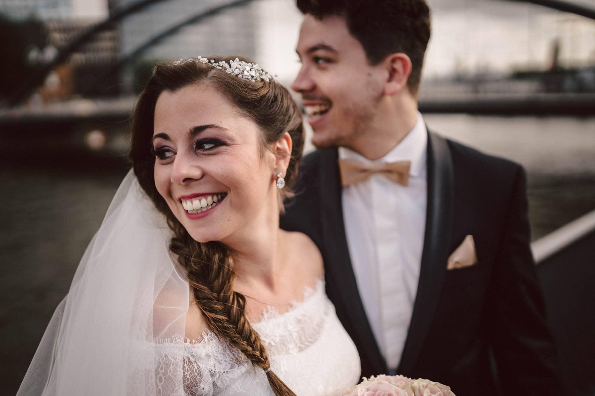 Hochzeitsfieber by Photo-Schomburg, Wedding, Hochzeitsfotograf, Hochzeitspaar, Braut, Bräutigam, Hochzeitstag, Hamburg, Landungsbrücken, Hafenliebe-98