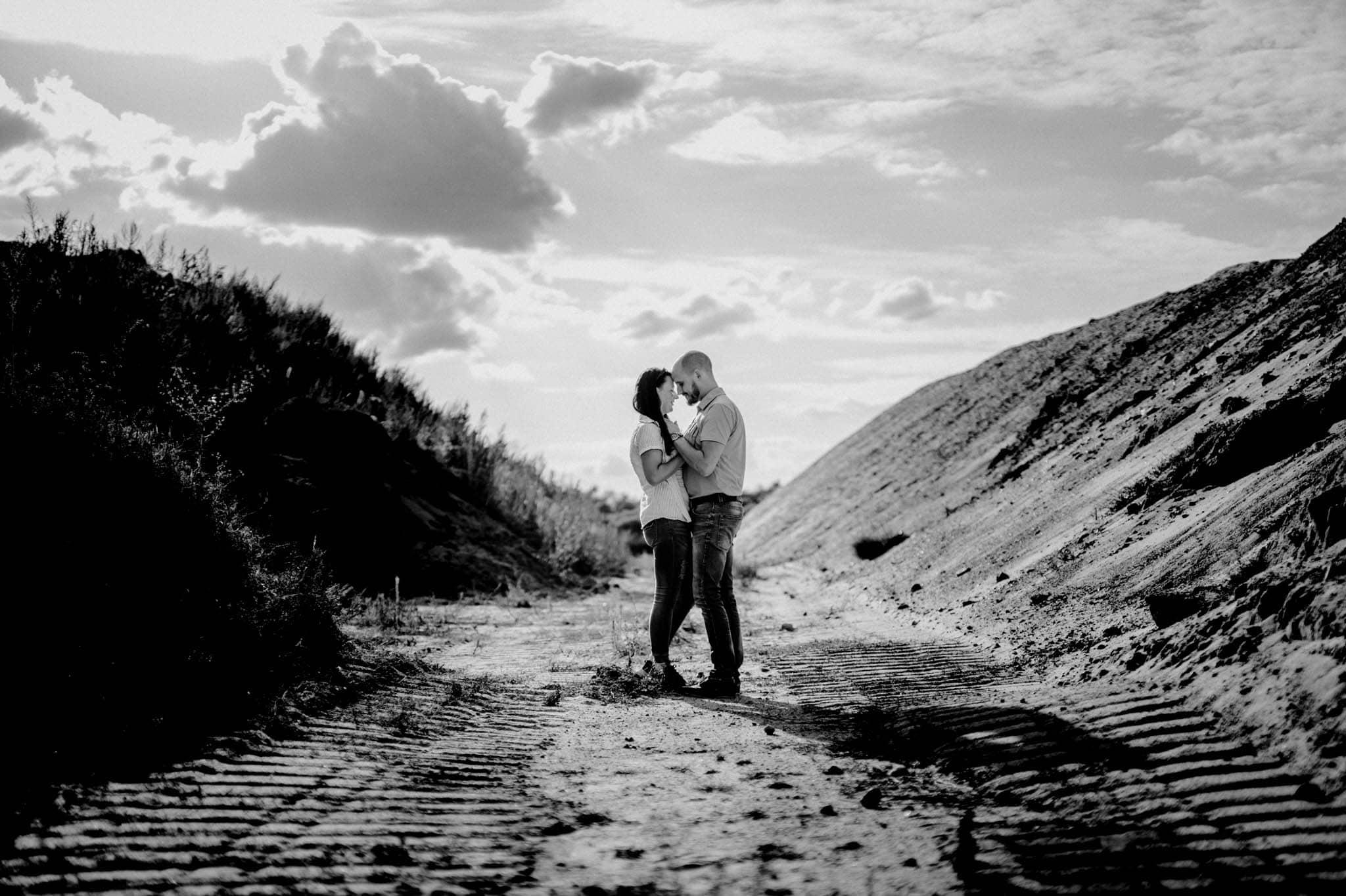 Engagementshoot Hochzeitsfieber by Photo-Schomburg, coupleshoot, paarshooting, zarrentin, wedding2018,wedding, hochzeitsfotograf, hamburg, braut, bräutigam, hochzeitstag-10