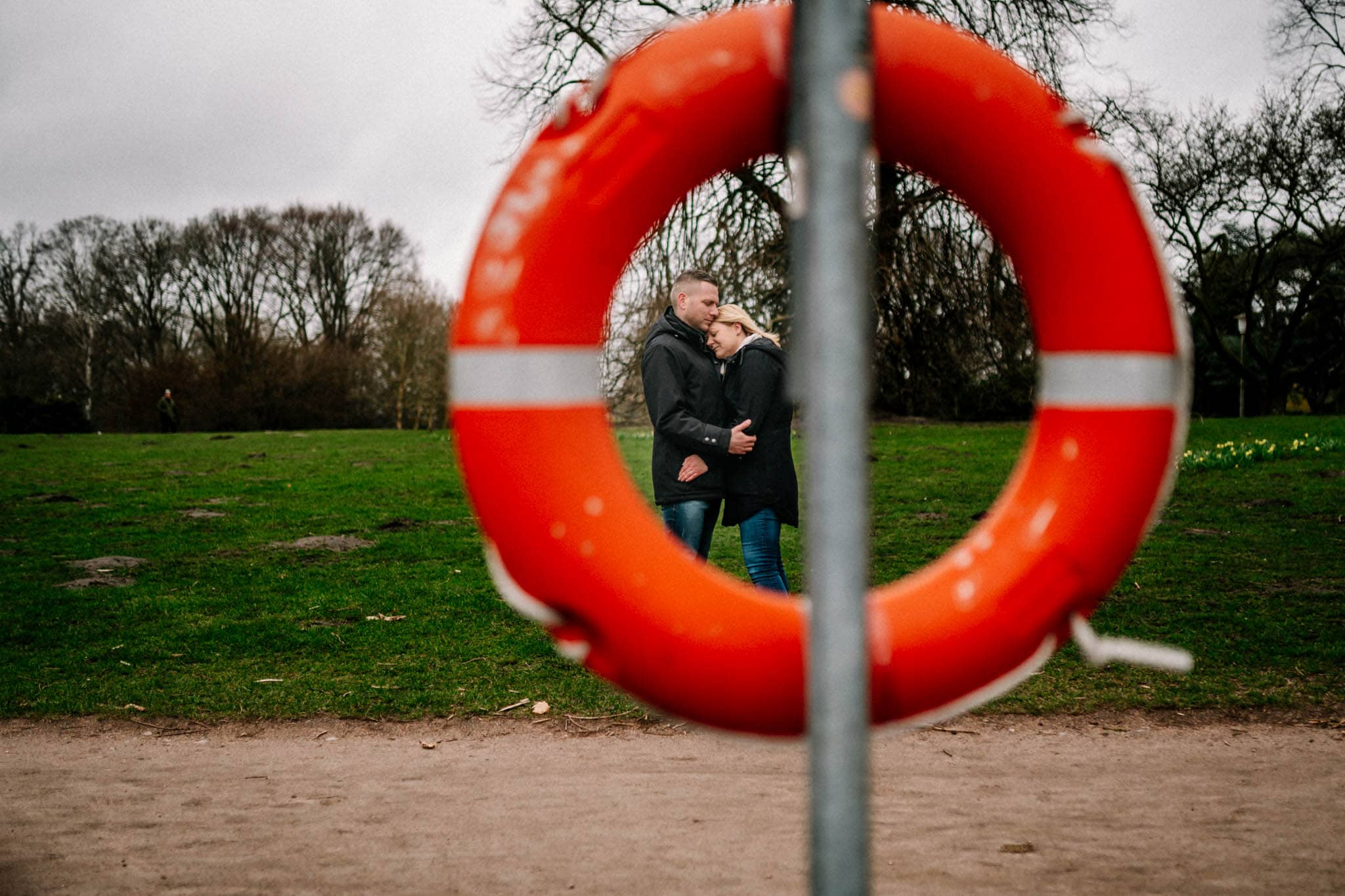 Engagementshooting, Hochzeitsfieber by Photo-Schomburg, Pärchenshoot, Hamburg, Elbe, Hamburger Hafen, Hochzeitsfotograf, Wedding, Coupleshoot, Hochzeitsfotografie-5-13