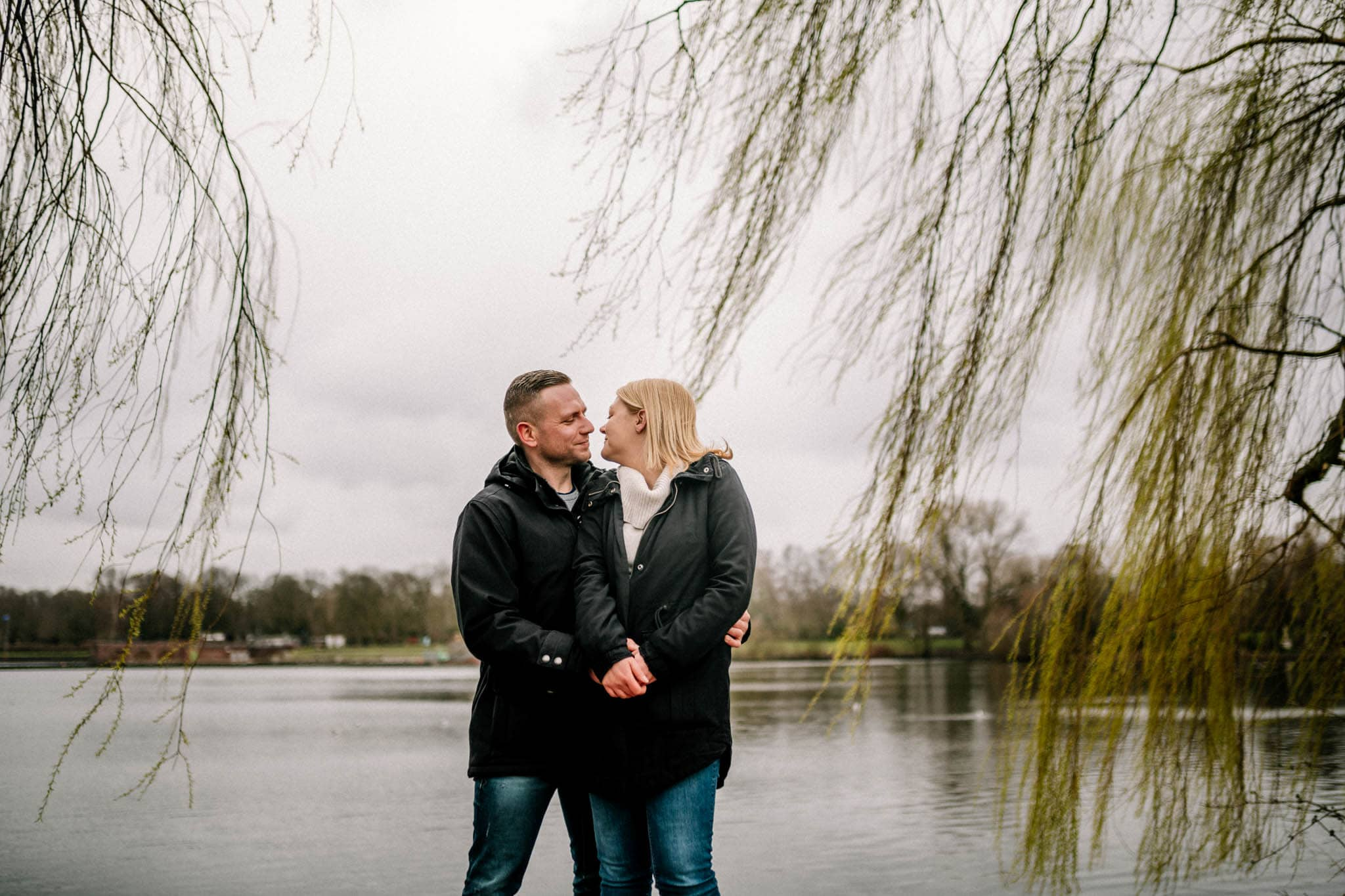 Engagementshooting, Hochzeitsfieber by Photo-Schomburg, Pärchenshoot, Hamburg, Elbe, Hamburger Hafen, Hochzeitsfotograf, Wedding, Coupleshoot, Hochzeitsfotografie-5-16