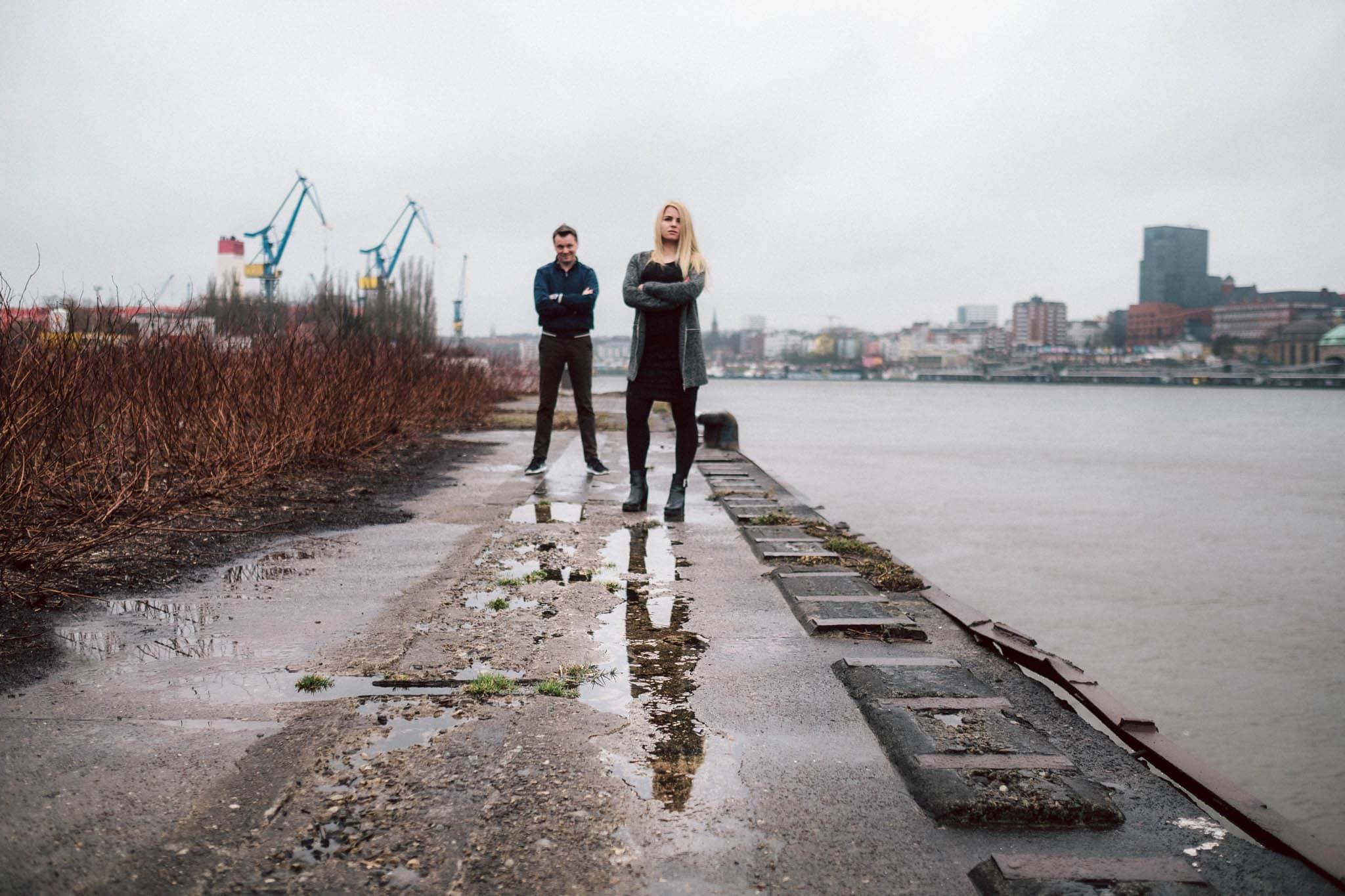 Engagementshooting, Hochzeitsfieber by Photo-Schomburg, Pärchenshoot, Hamburg, Elbe, Hamburger Hafen, Hochzeitsfotograf, Wedding, Coupleshoot, Hochzeitsfotografie-6