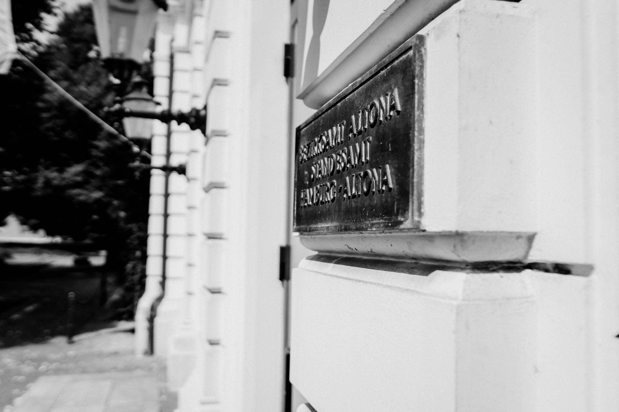 Hochzeitsfieber by Photo-Schomburg, Hochzeitsfotograf, Hamburg, Altona, wedding, Standesamt Altona, Appen, Hochzeitsshooting, Hochzeitstag, Brautpaar-35
