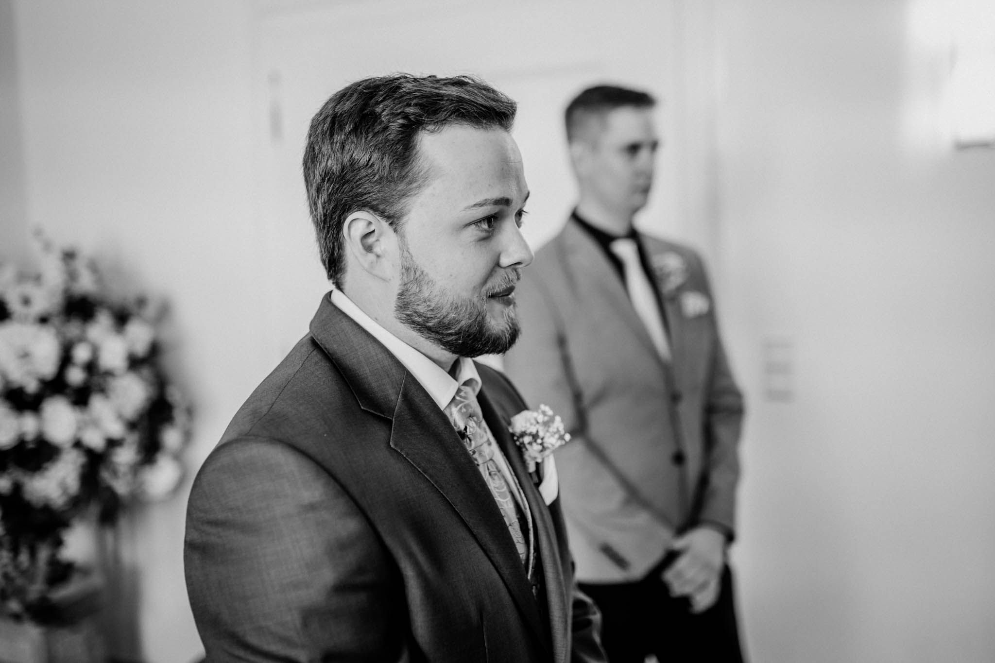 Hochzeitsfieber by Photo-Schomburg, Hochzeitsfotograf, Hamburg, Altona, wedding, Standesamt Altona, Appen, Hochzeitsshooting, Hochzeitstag, Brautpaar-40