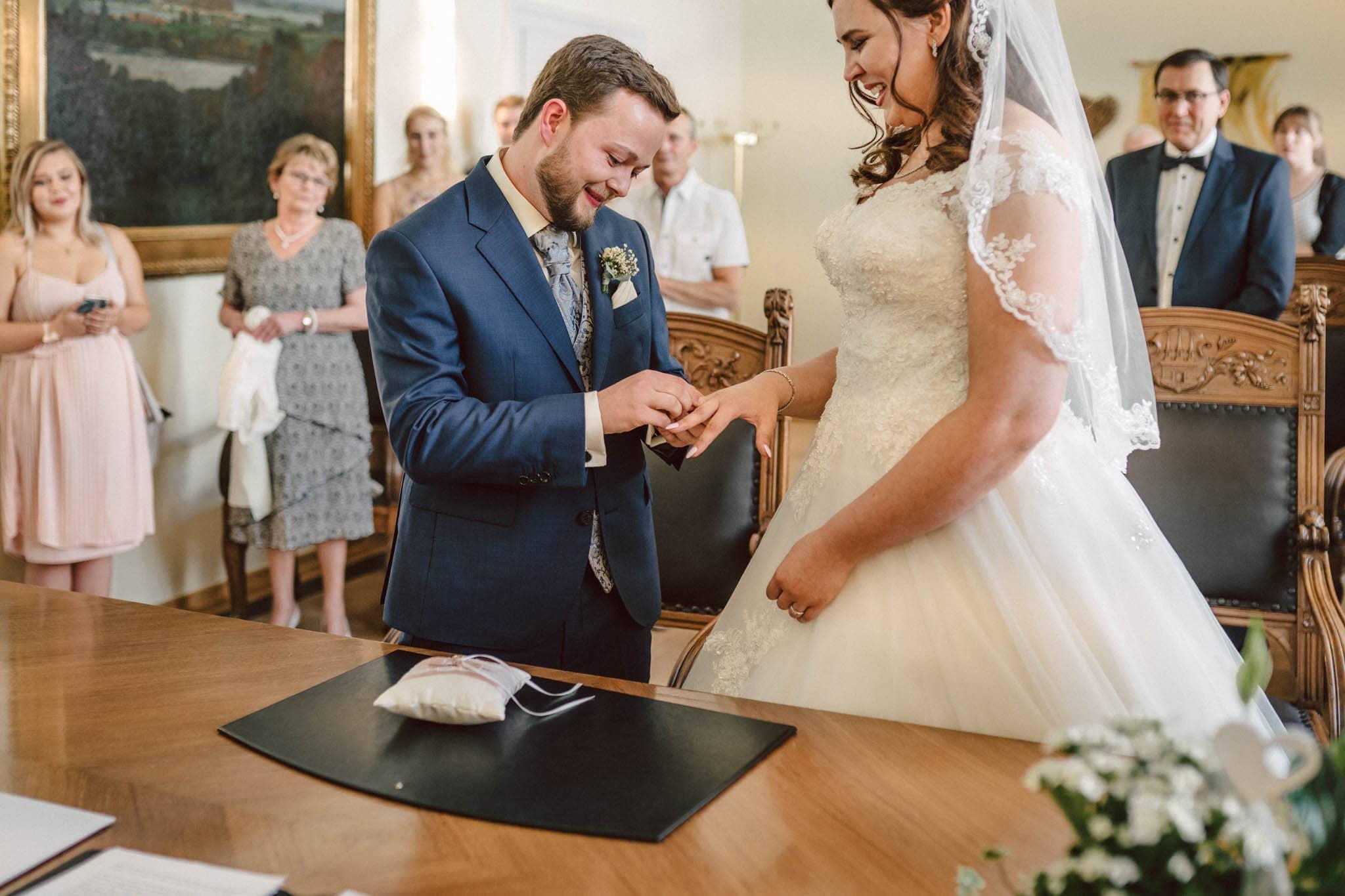 Hochzeitsfieber by Photo-Schomburg, Hochzeitsfotograf, Hamburg, Altona, wedding, Standesamt Altona, Appen, Hochzeitsshooting, Hochzeitstag, Brautpaar-48