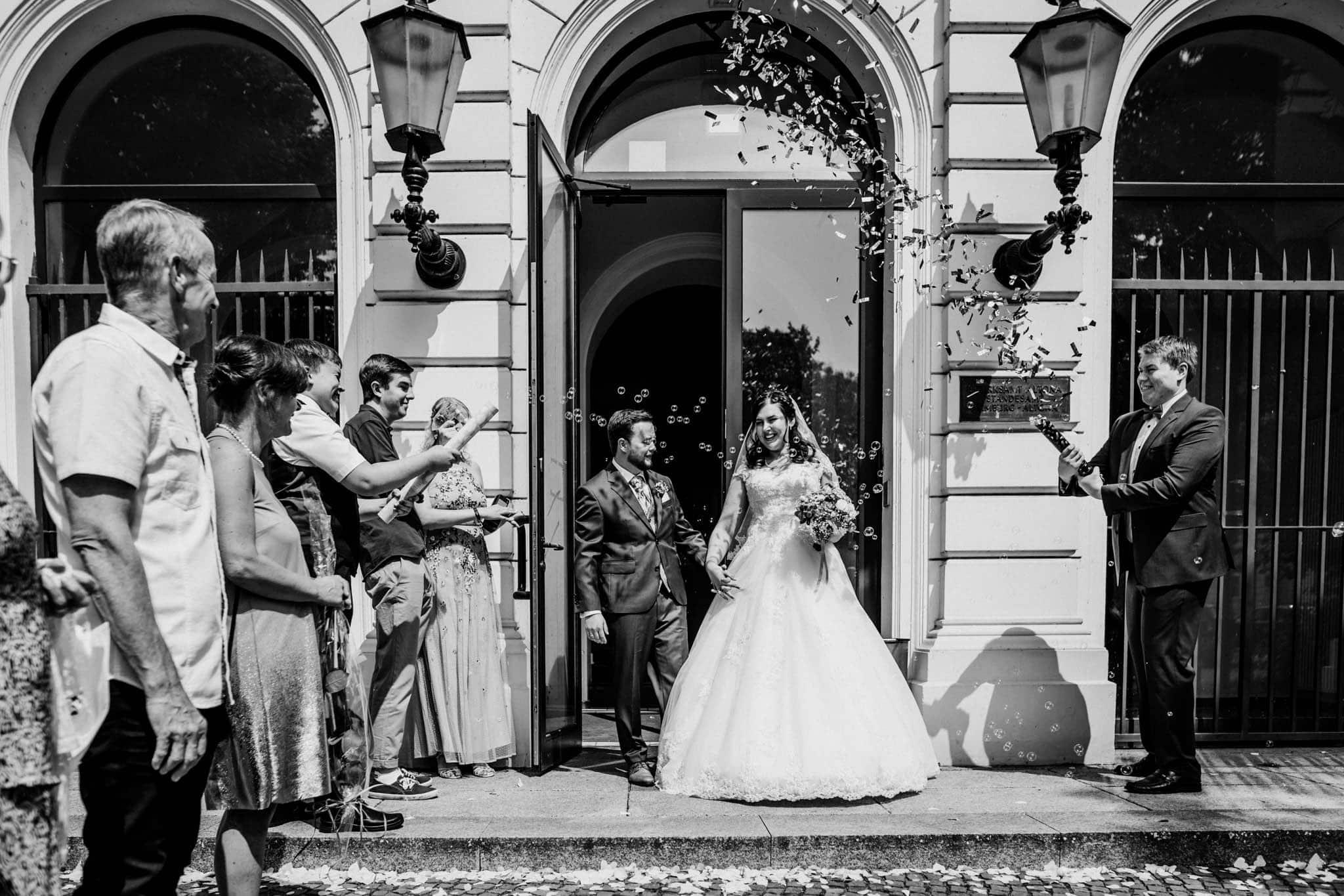 Hochzeitsfieber by Photo-Schomburg, Hochzeitsfotograf, Hamburg, Altona, wedding, Standesamt Altona, Appen, Hochzeitsshooting, Hochzeitstag, Brautpaar-53