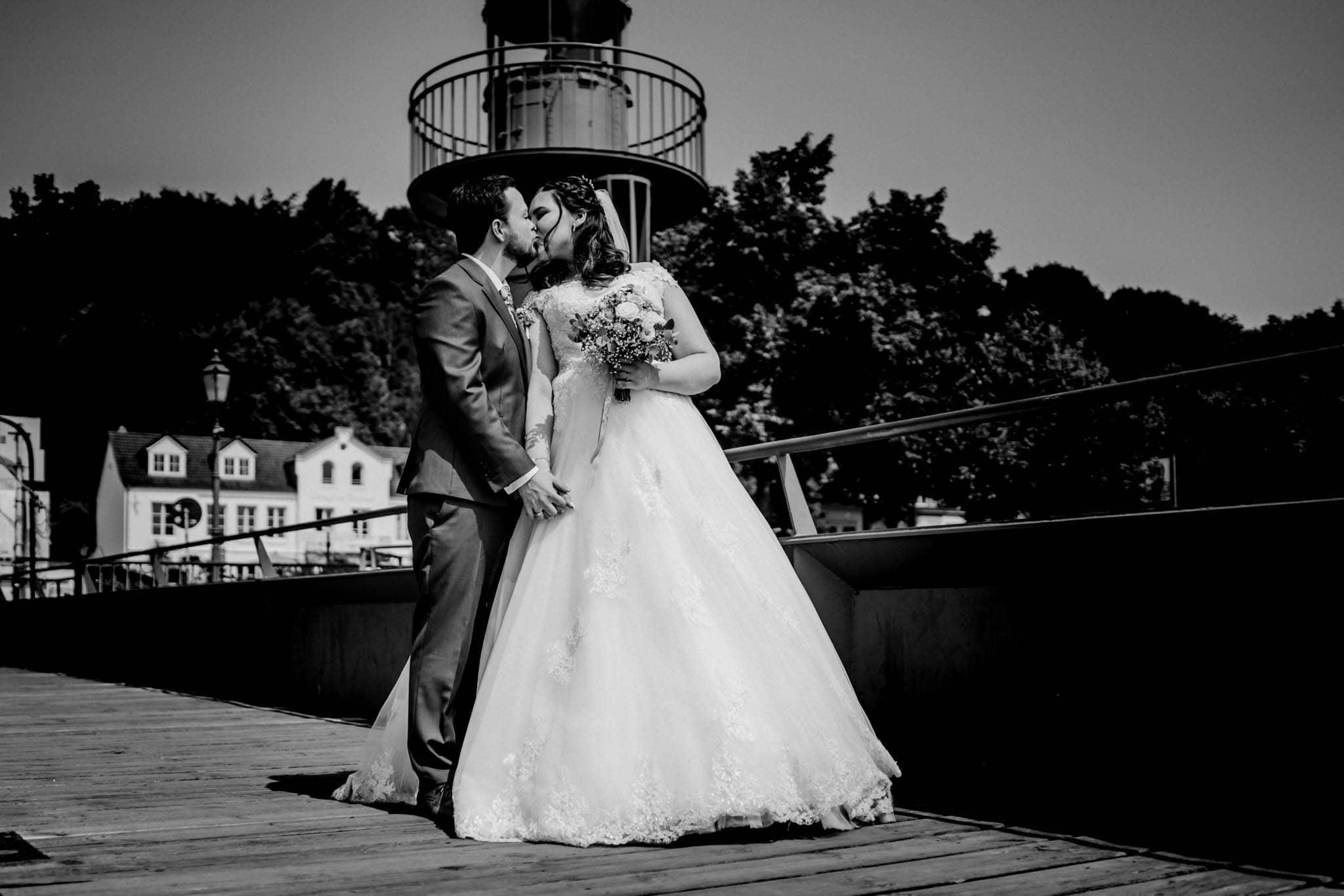 Hochzeitsfieber by Photo-Schomburg, Hochzeitsfotograf, Hamburg, Altona, wedding, Standesamt Altona, Appen, Hochzeitsshooting, Hochzeitstag, Brautpaar-67