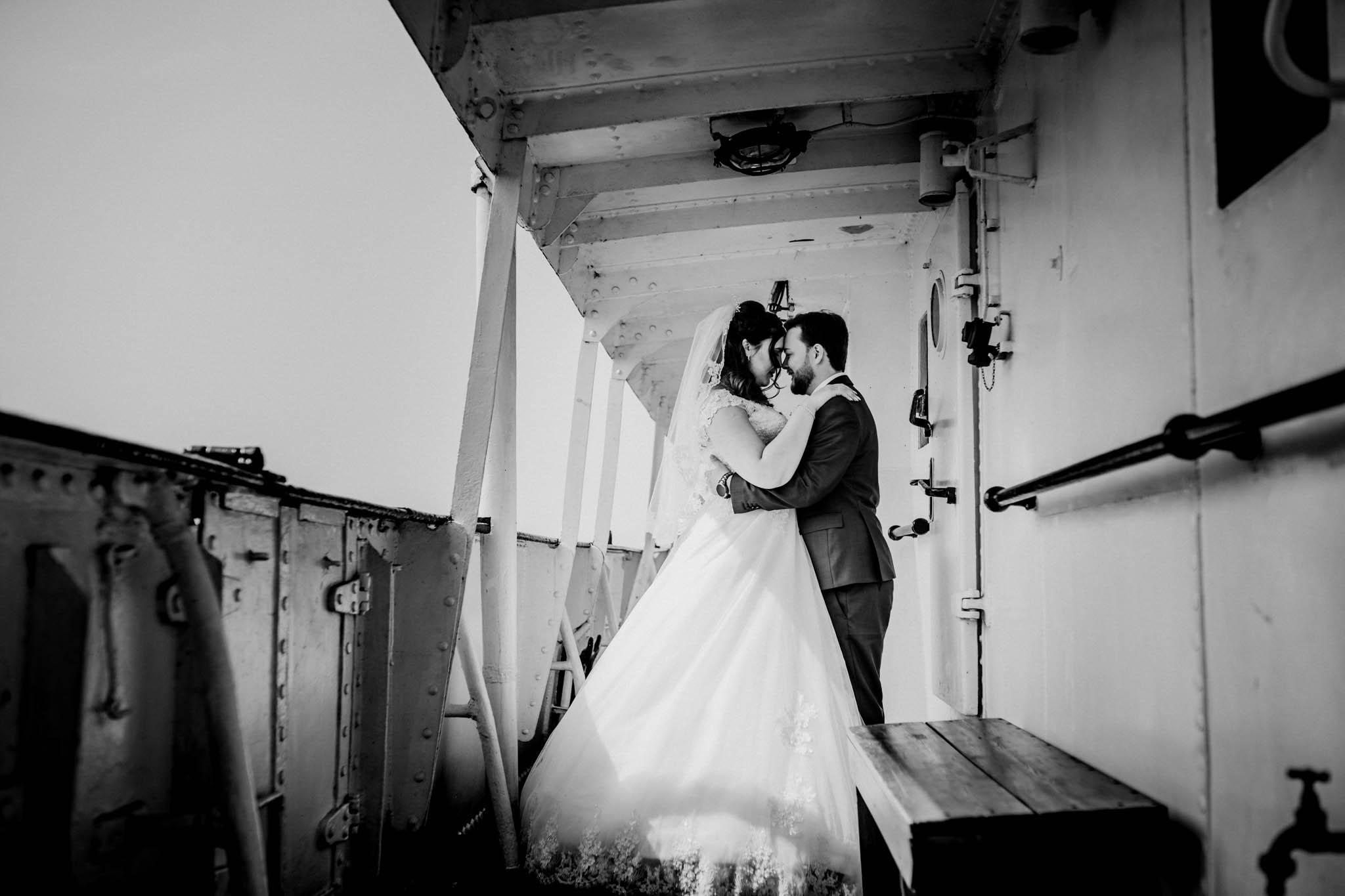 Hochzeitsfieber by Photo-Schomburg, Hochzeitsfotograf, Hamburg, Altona, wedding, Standesamt Altona, Appen, Hochzeitsshooting, Hochzeitstag, Brautpaar-79