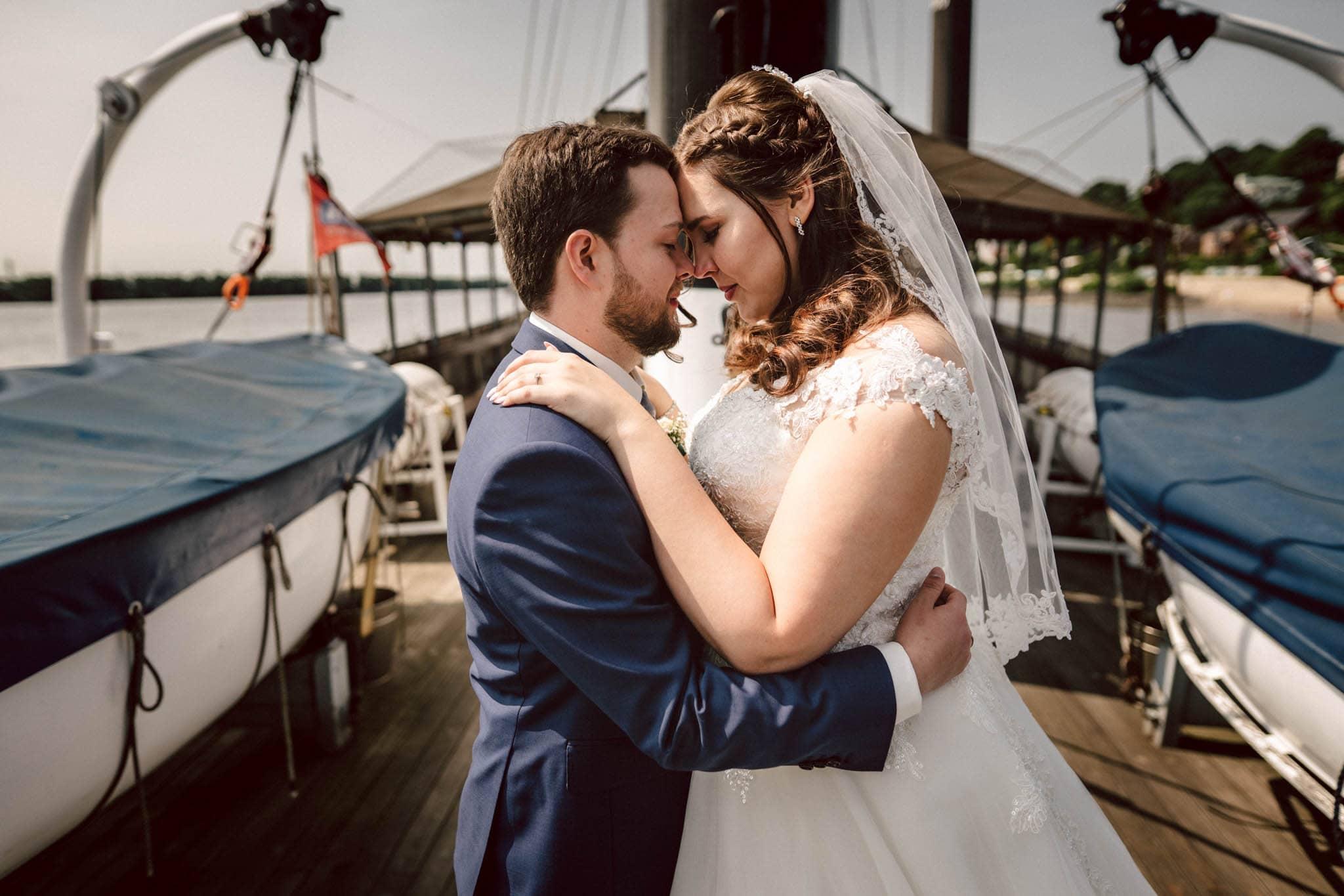 Hochzeitsfieber by Photo-Schomburg, Hochzeitsfotograf, Hamburg, Altona, wedding, Standesamt Altona, Appen, Hochzeitsshooting, Hochzeitstag, Brautpaar-83
