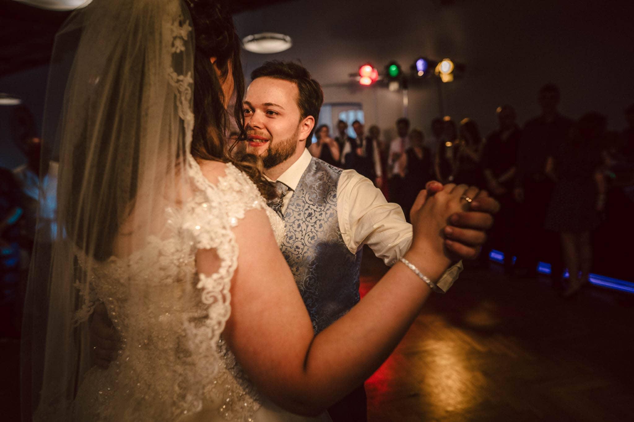 Hochzeitsfieber by Photo-Schomburg, Hochzeitsfotograf, Hamburg, Altona, wedding, Standesamt Altona, Appen, Hochzeitsshooting, Hochzeitstag, Brautpaar-98