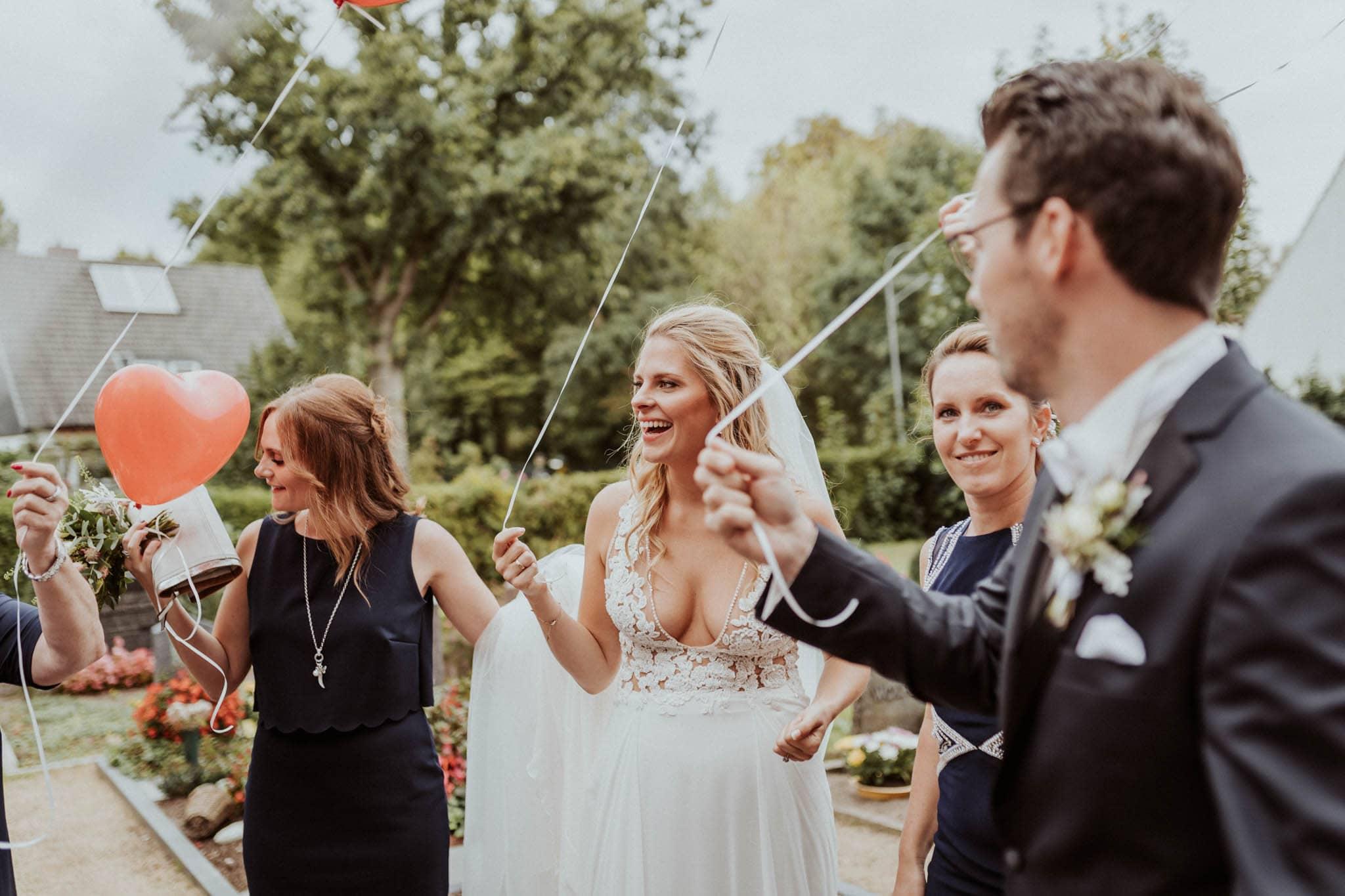 Hochzeitsfieber by Photo-Schomburg, Hochzeitsfotograf, Hamburg, Bremen, Hochzeitstag, Hochzeitspaar, Braut, Bräutigam, Bremen-Kränholm,Knoops Park-112