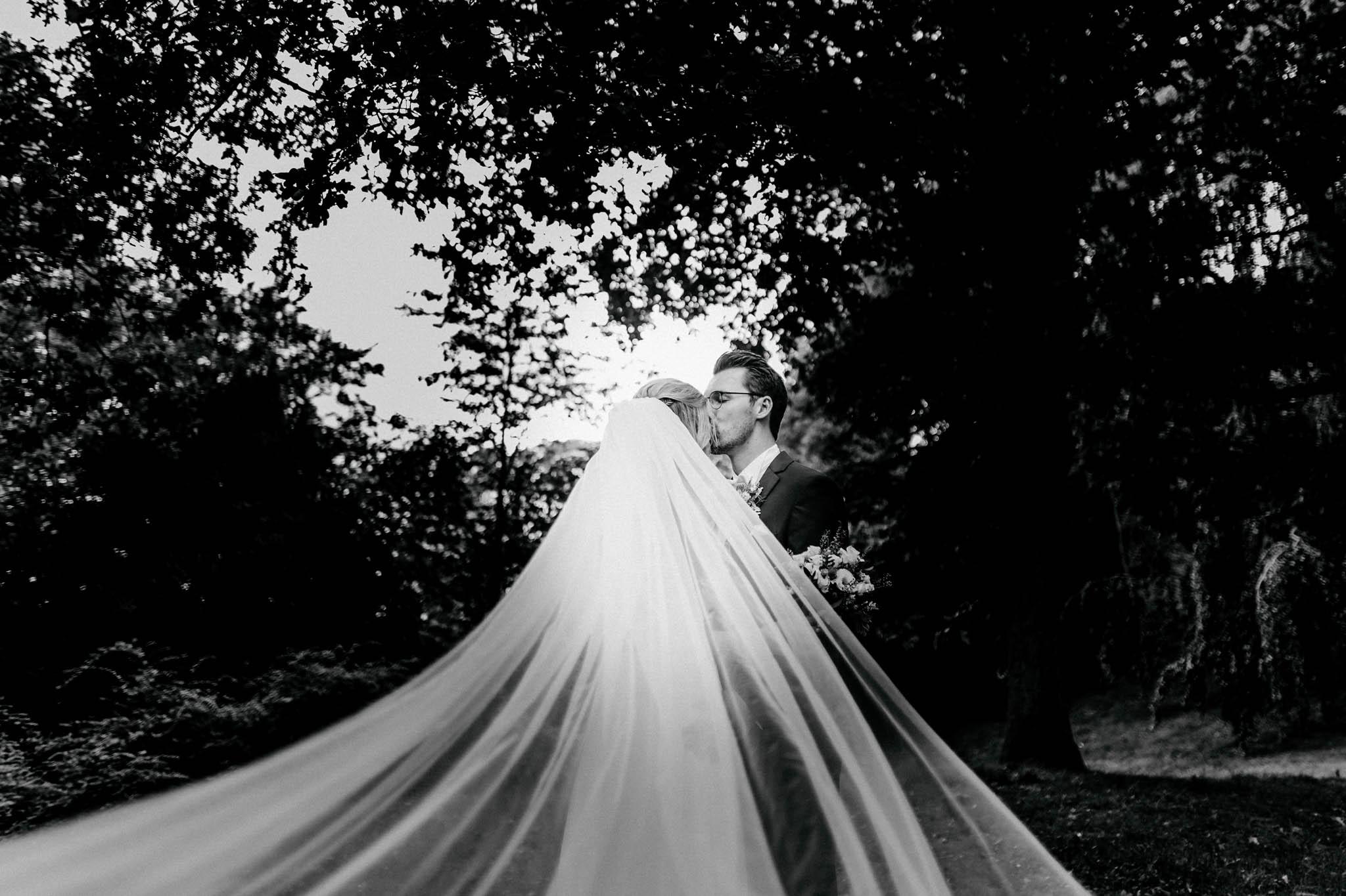 Hochzeitsfieber by Photo-Schomburg, Hochzeitsfotograf, Hamburg, Bremen, Hochzeitstag, Hochzeitspaar, Braut, Bräutigam, Bremen-Kränholm,Knoops Park-158