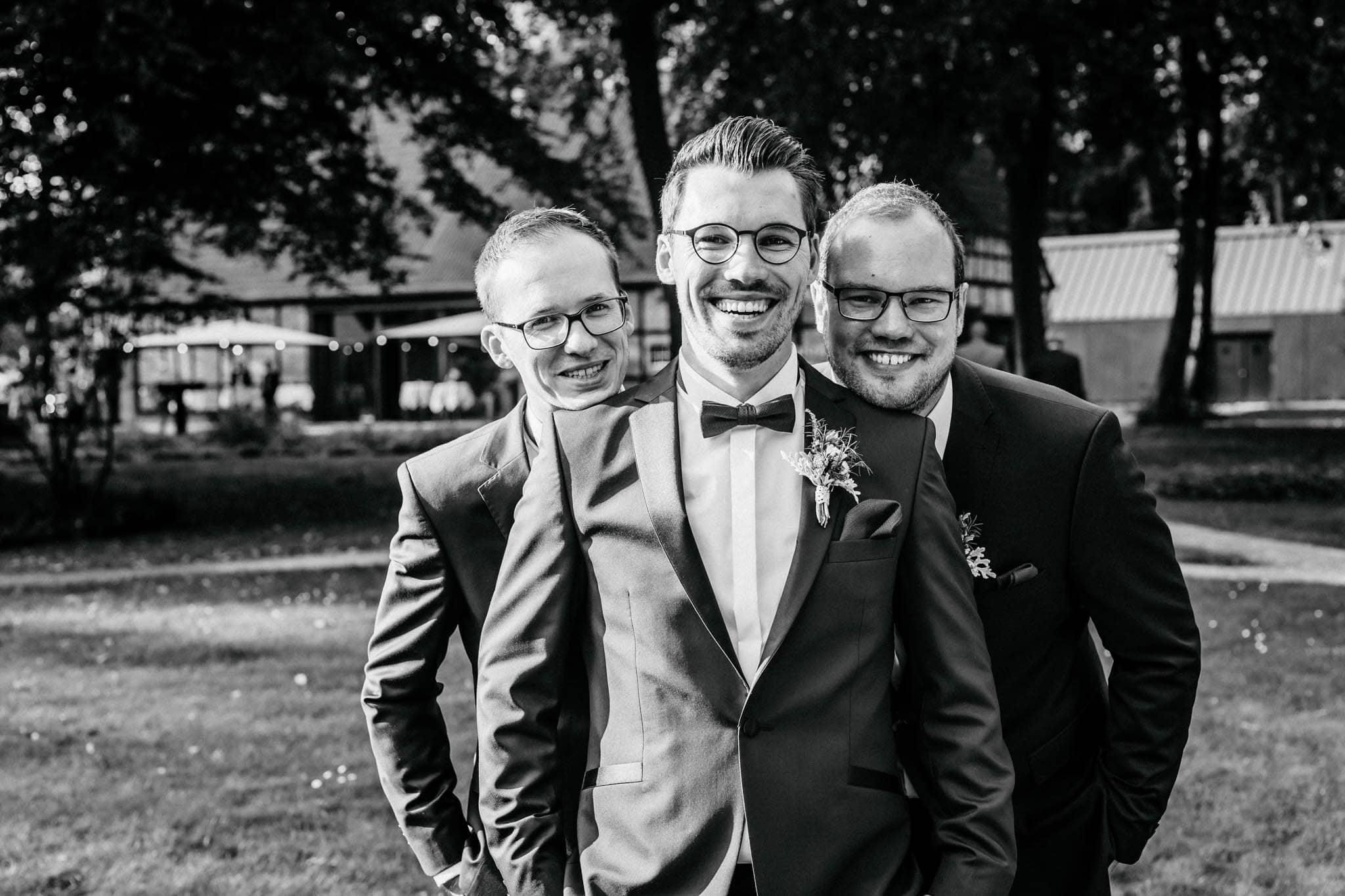 Hochzeitsfieber by Photo-Schomburg, Hochzeitsfotograf, Hamburg, Bremen, Hochzeitstag, Hochzeitspaar, Braut, Bräutigam, Bremen-Kränholm,Knoops Park-170