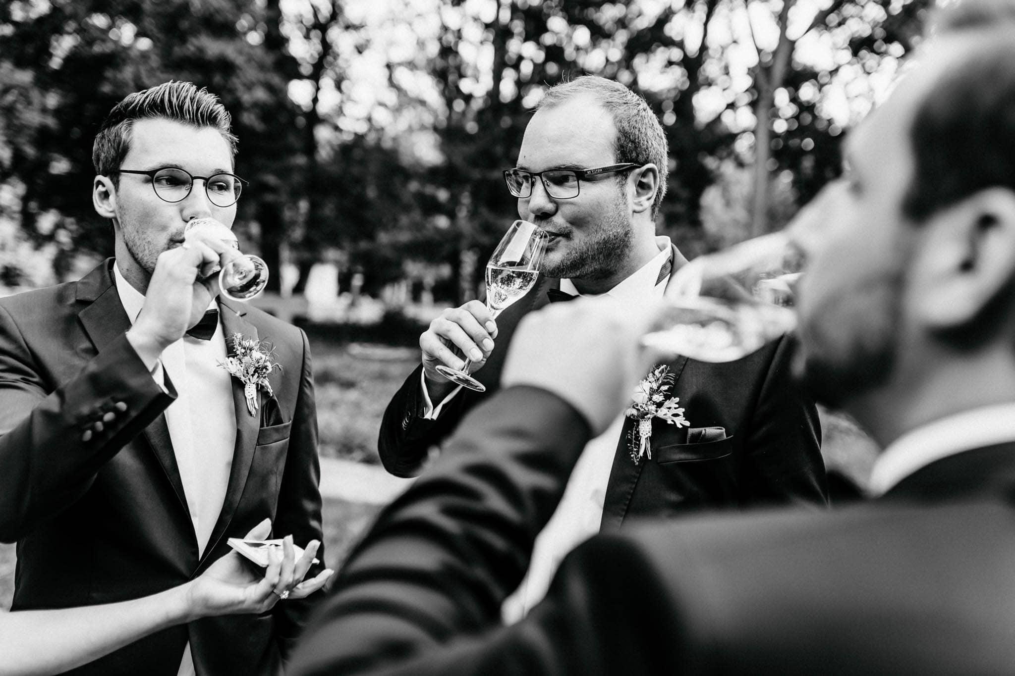 Hochzeitsfieber by Photo-Schomburg, Hochzeitsfotograf, Hamburg, Bremen, Hochzeitstag, Hochzeitspaar, Braut, Bräutigam, Bremen-Kränholm,Knoops Park-177