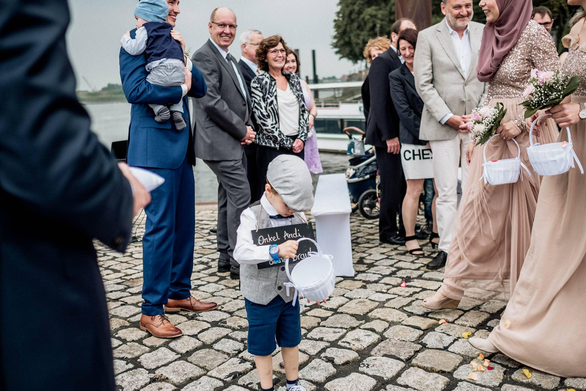 Hochzeitsfieber by Photo-Schomburg, Hochzeitsfotograf, Hamburg, Hochzeitsbilder, Braut, Brautpaar, Bräutigam, Zollenspieker Fährhaus-43