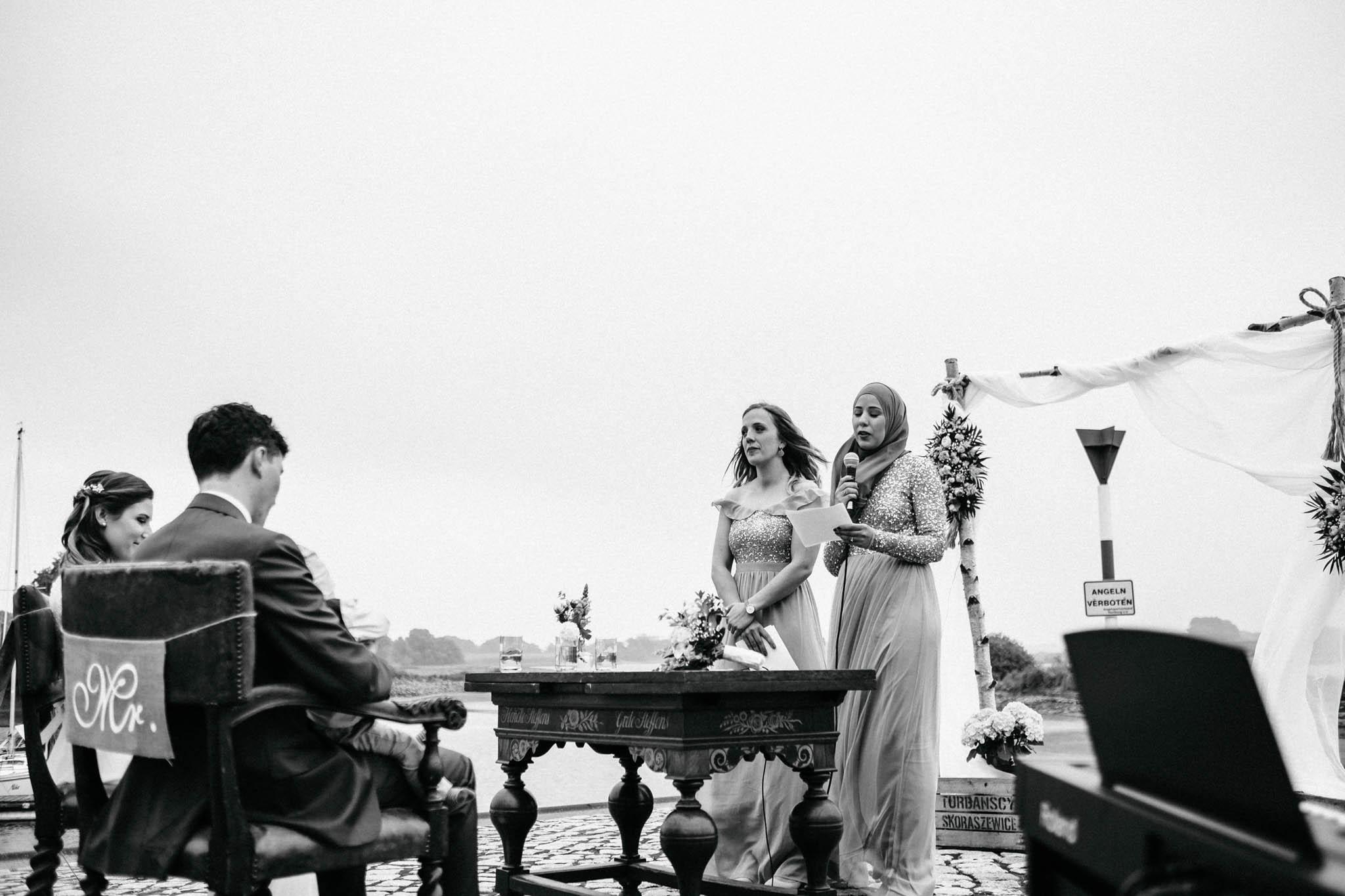 Hochzeitsfieber by Photo-Schomburg, Hochzeitsfotograf, Hamburg, Hochzeitsbilder, Braut, Brautpaar, Bräutigam, Zollenspieker Fährhaus-51