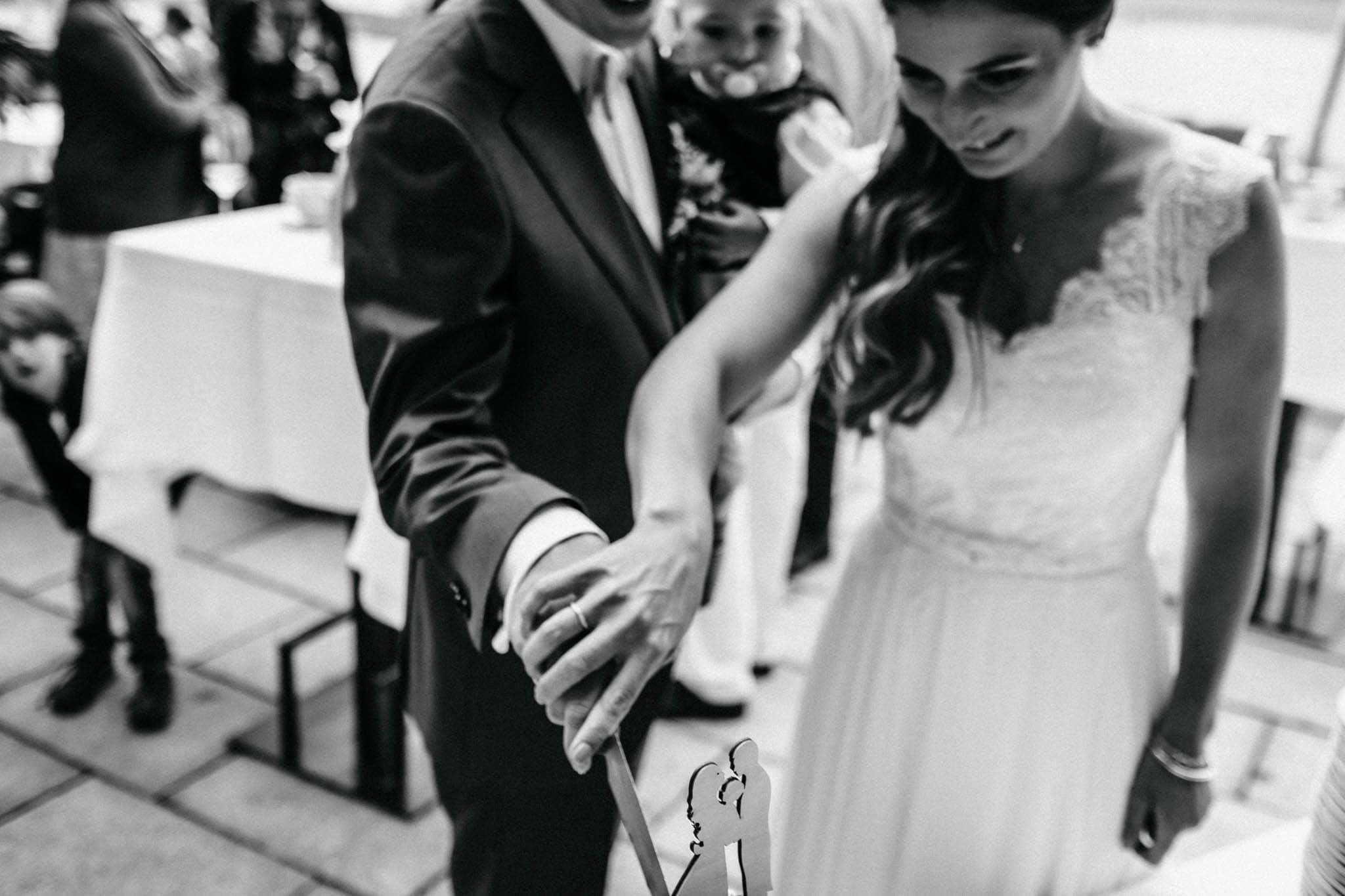 Hochzeitsfieber by Photo-Schomburg, Hochzeitsfotograf, Hamburg, Hochzeitsbilder, Braut, Brautpaar, Bräutigam, Zollenspieker Fährhaus-65