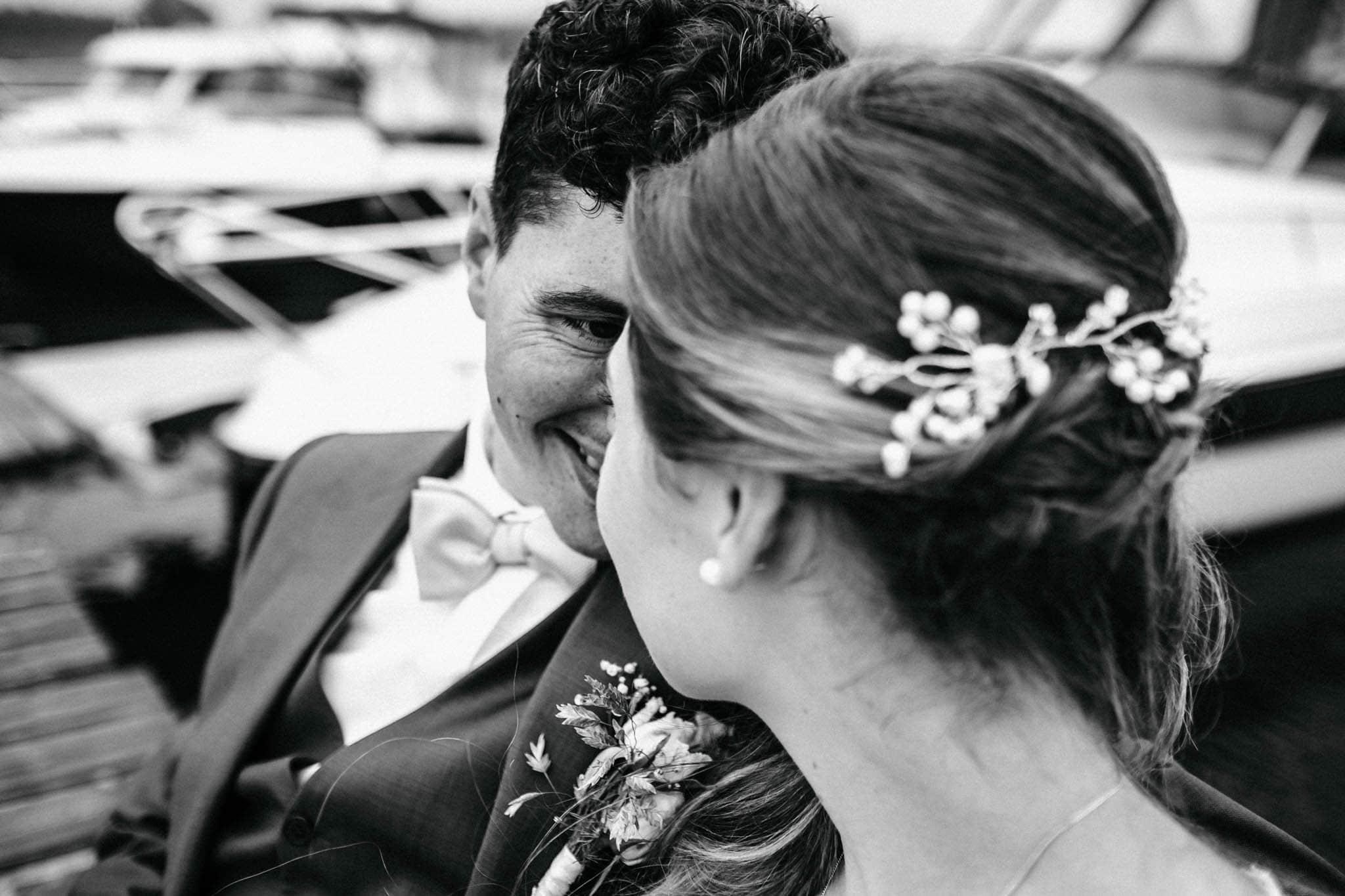 Hochzeitsfieber by Photo-Schomburg, Hochzeitsfotograf, Hamburg, Hochzeitsbilder, Braut, Brautpaar, Bräutigam, Zollenspieker Fährhaus-73