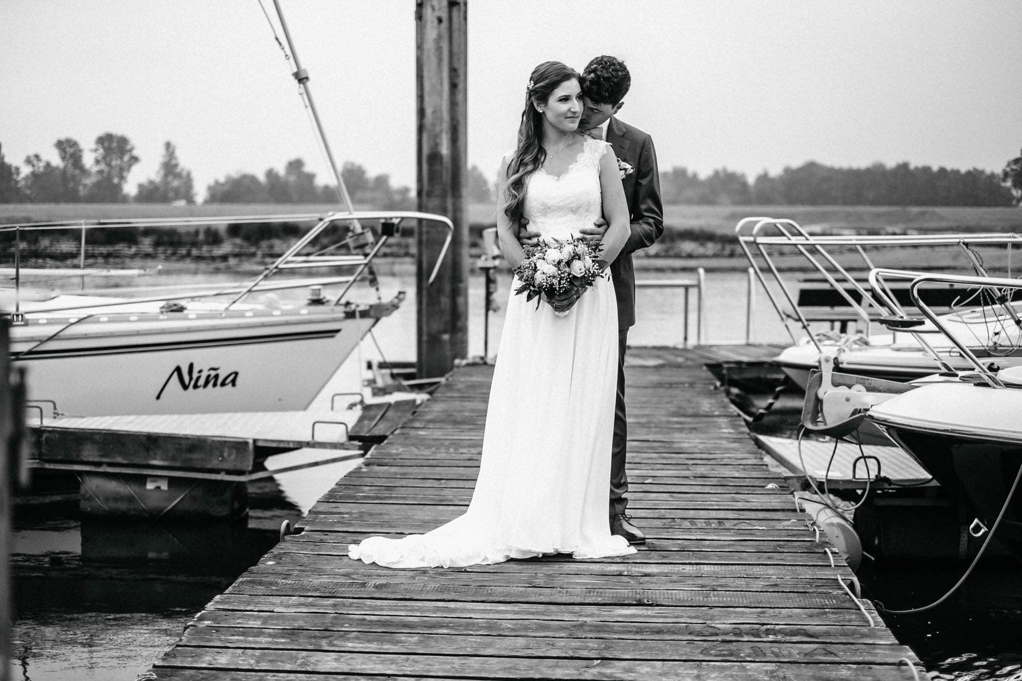 Hochzeitsfieber by Photo-Schomburg, Hochzeitsfotograf, Hamburg, Hochzeitsbilder, Braut, Brautpaar, Bräutigam, Zollenspieker Fährhaus-78