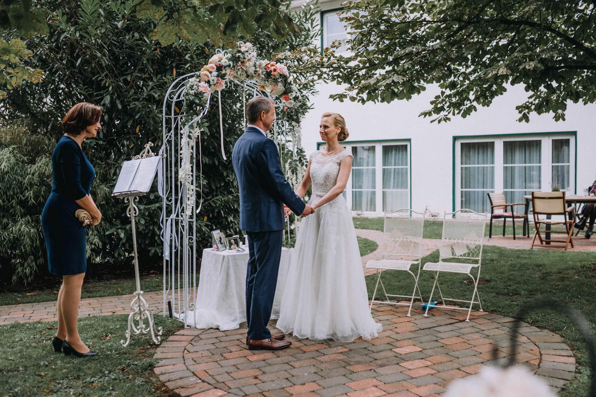 Hochzeitsfieber by Photo-Schomburg, Hochzeitsfotograf, Hamburg,Hochzeitstag, Hochzeitspaar, Braut, Bräutigam, Kaltenkirchen-99