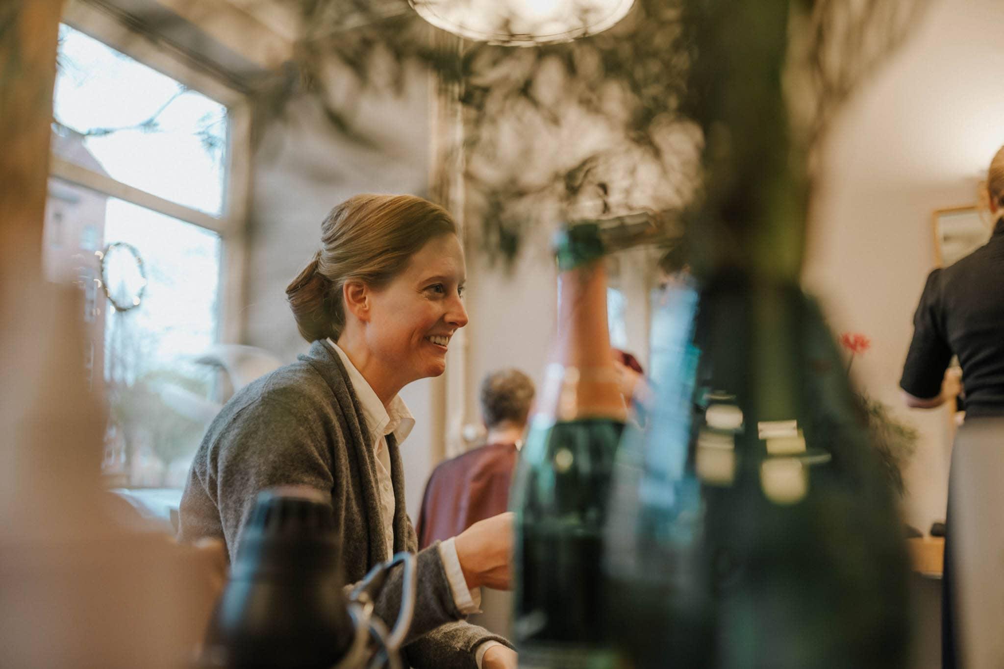 Hochzeitsfieber by Photo-Schomburg, Hochzeitsfotograf, Hamburg,Hochzeitstag, Hochzeitspaar, Braut, Bräutigam, Literaturhauscafe Hamburg-11
