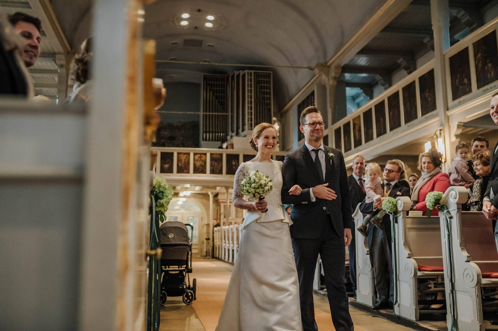 Hochzeitsfieber by Photo-Schomburg, Hochzeitsfotograf, Hamburg,Hochzeitstag, Hochzeitspaar, Braut, Bräutigam, Literaturhauscafe Hamburg-31
