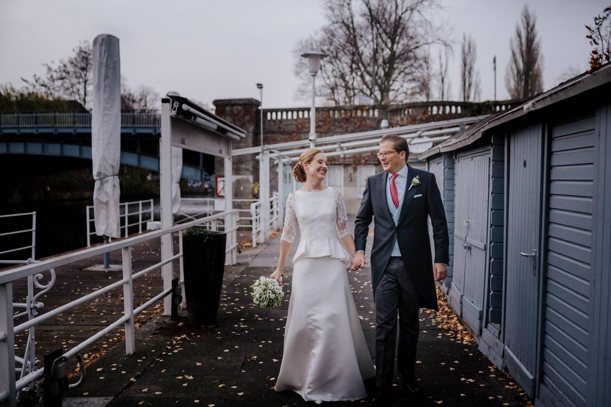 Hochzeitsfieber by Photo-Schomburg, Hochzeitsfotograf, Hamburg,Hochzeitstag, Hochzeitspaar, Braut, Bräutigam, Literaturhauscafe Hamburg-44