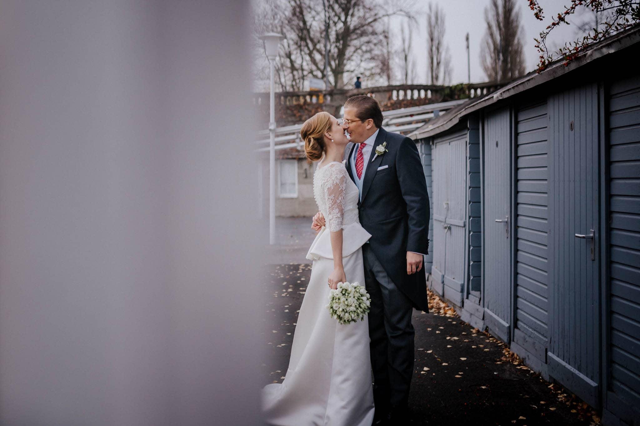 Hochzeitsfieber by Photo-Schomburg, Hochzeitsfotograf, Hamburg,Hochzeitstag, Hochzeitspaar, Braut, Bräutigam, Literaturhauscafe Hamburg-45