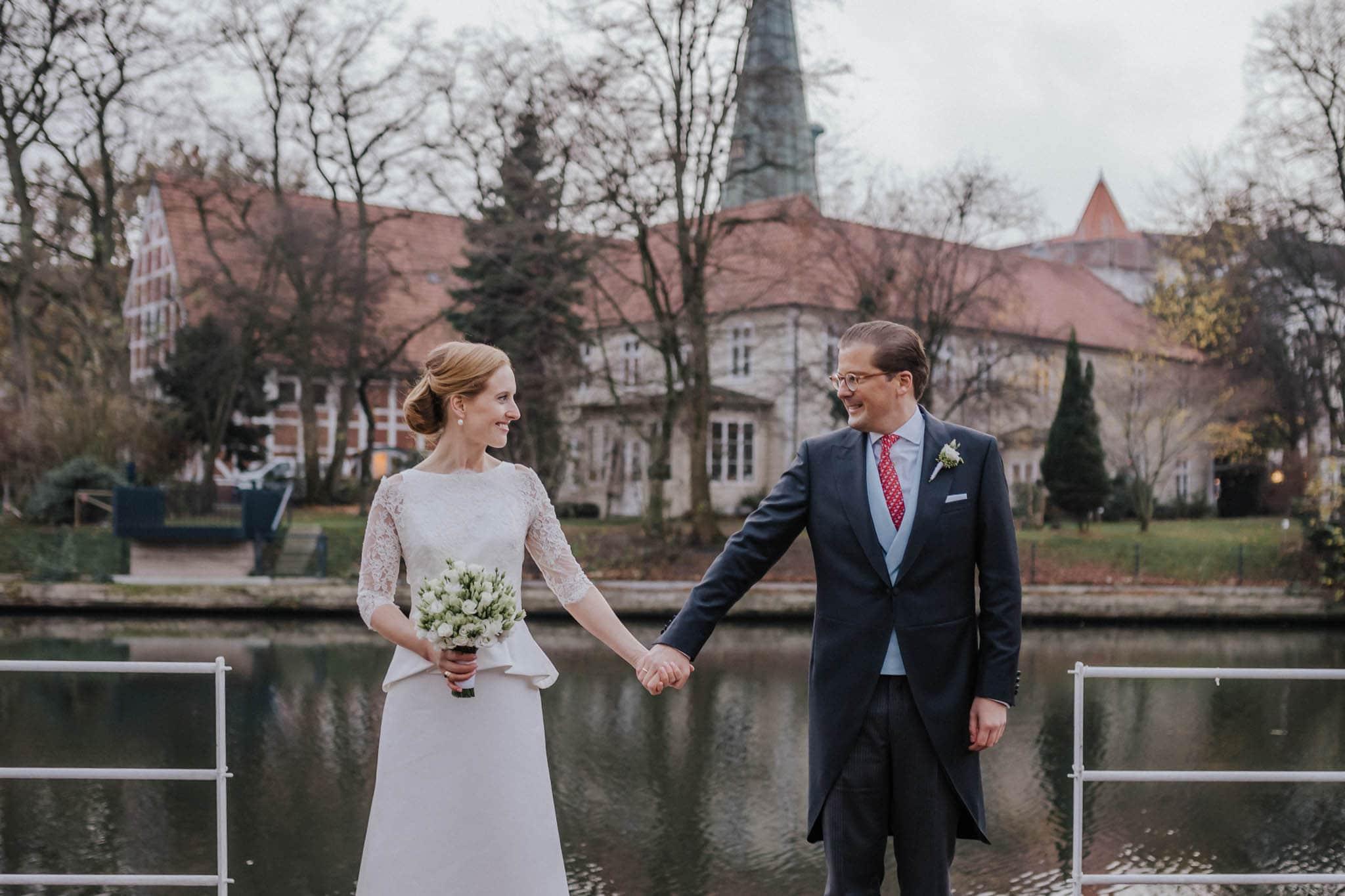 Hochzeitsfieber by Photo-Schomburg, Hochzeitsfotograf, Hamburg,Hochzeitstag, Hochzeitspaar, Braut, Bräutigam, Literaturhauscafe Hamburg-46