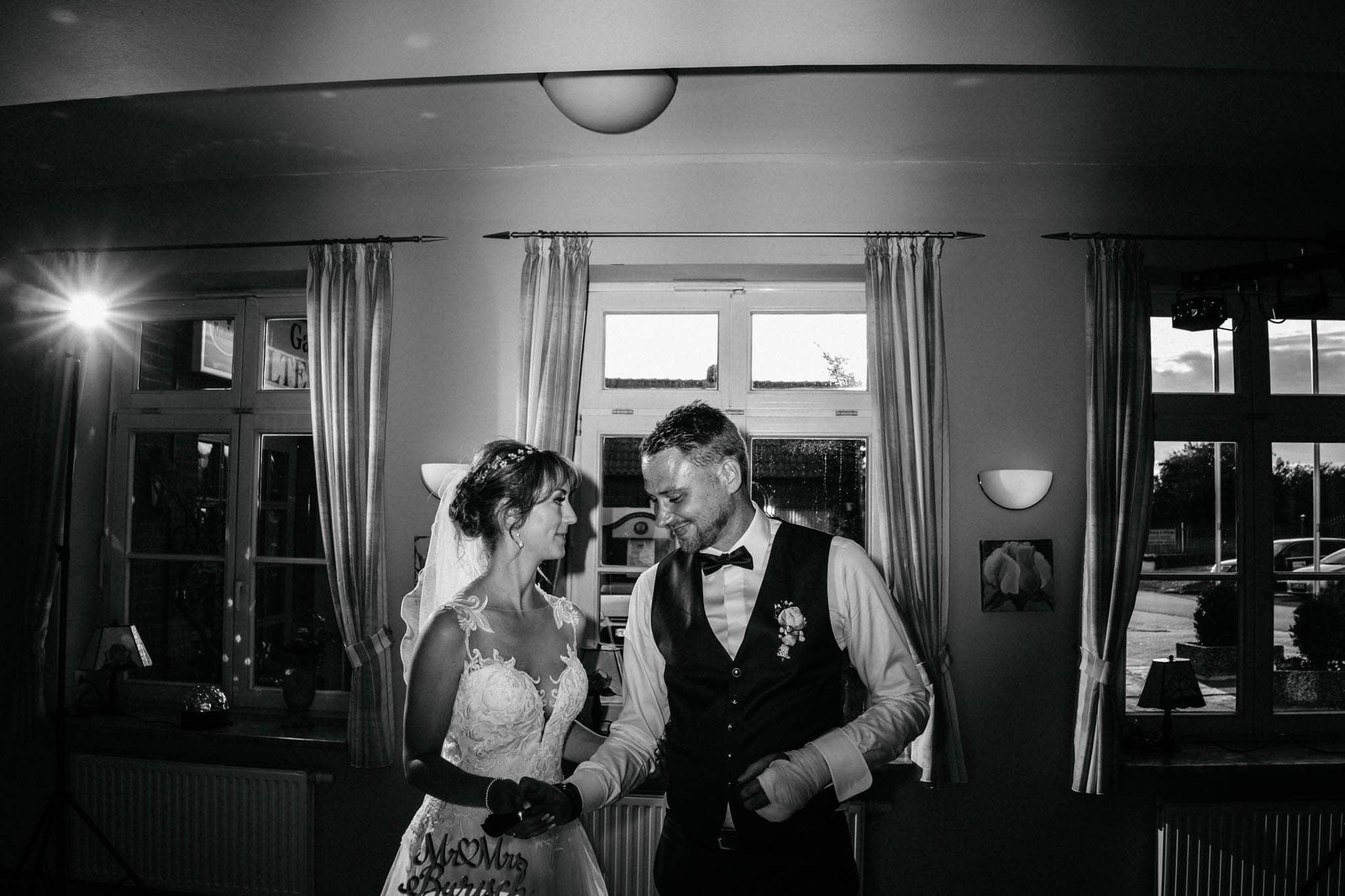 Hochzeitsfieber by Photo-Schomburg, Hoichzeitsfotograf, Hamburg, Wedding, Weddingtime, Hochzeitspaar, Braut, Bräutigam, Hochzeit im Norden,-122