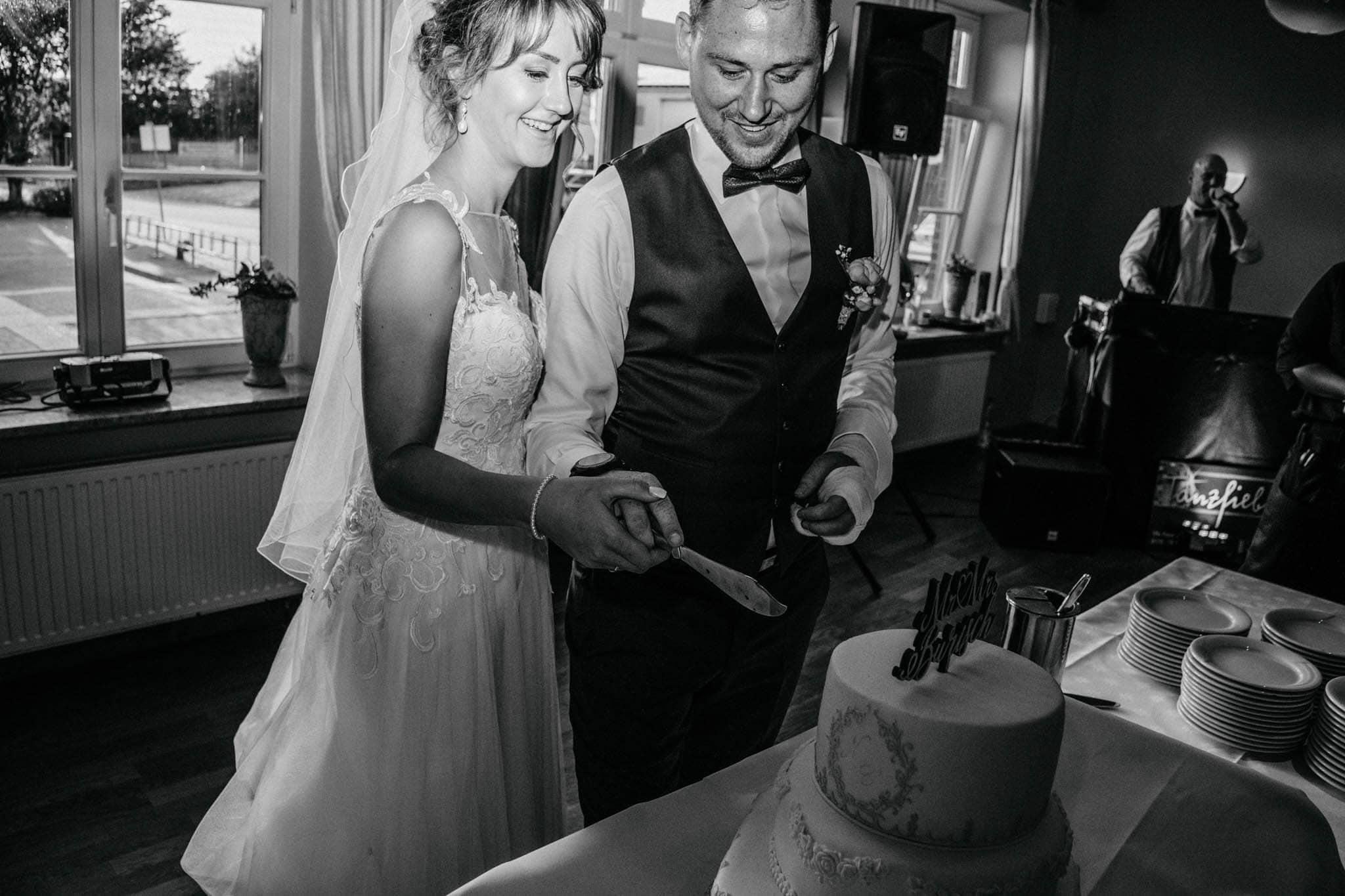Hochzeitsfieber by Photo-Schomburg, Hoichzeitsfotograf, Hamburg, Wedding, Weddingtime, Hochzeitspaar, Braut, Bräutigam, Hochzeit im Norden,-123
