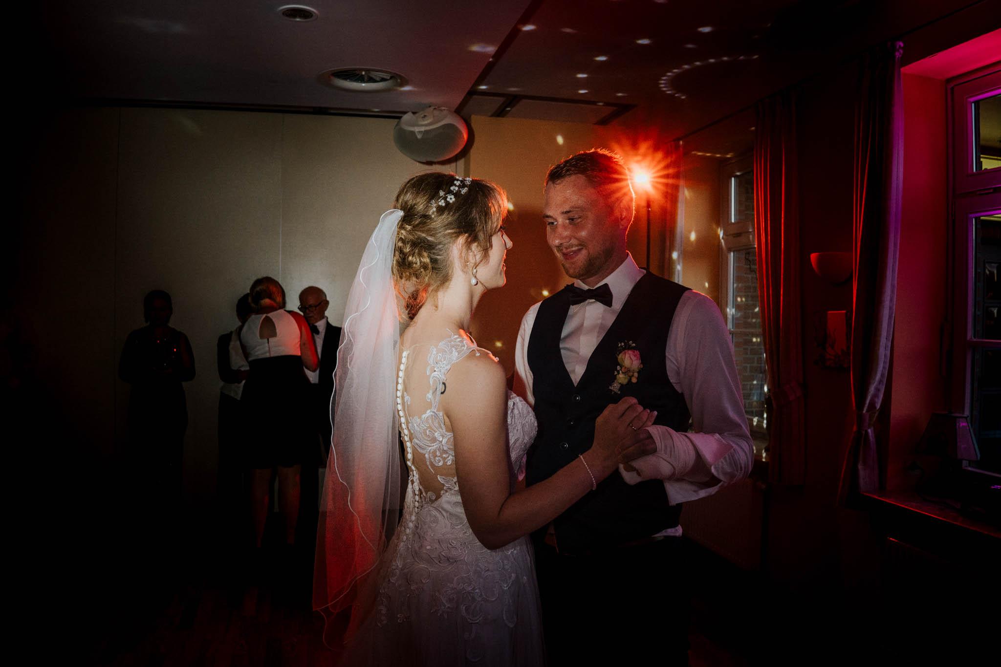 Hochzeitsfieber by Photo-Schomburg, Hoichzeitsfotograf, Hamburg, Wedding, Weddingtime, Hochzeitspaar, Braut, Bräutigam, Hochzeit im Norden,-132