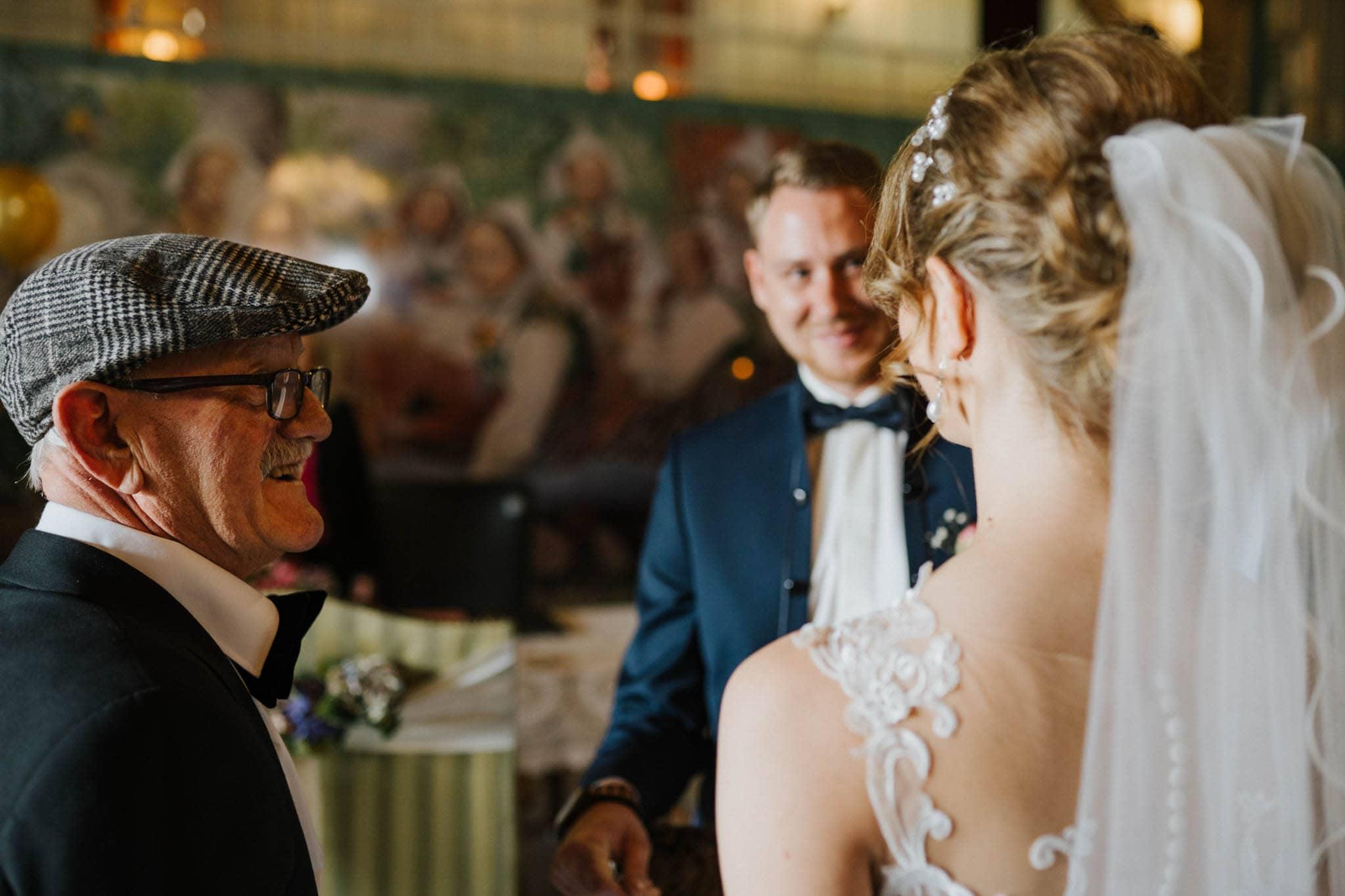 Hochzeitsfieber by Photo-Schomburg, Hoichzeitsfotograf, Hamburg, Wedding, Weddingtime, Hochzeitspaar, Braut, Bräutigam, Hochzeit im Norden,-41