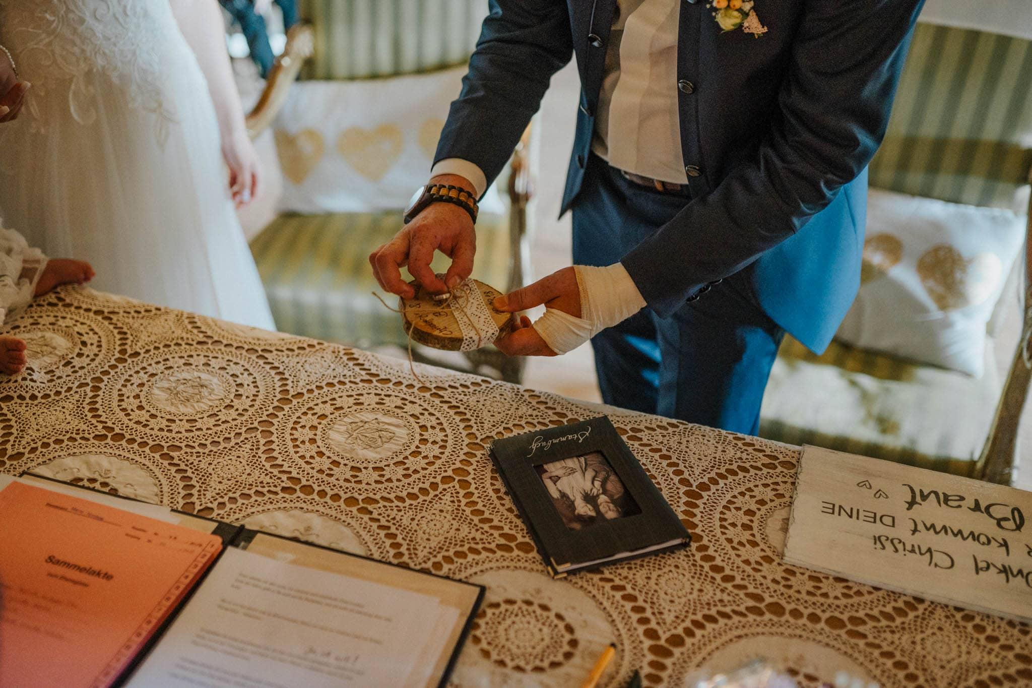 Hochzeitsfieber by Photo-Schomburg, Hoichzeitsfotograf, Hamburg, Wedding, Weddingtime, Hochzeitspaar, Braut, Bräutigam, Hochzeit im Norden,-57