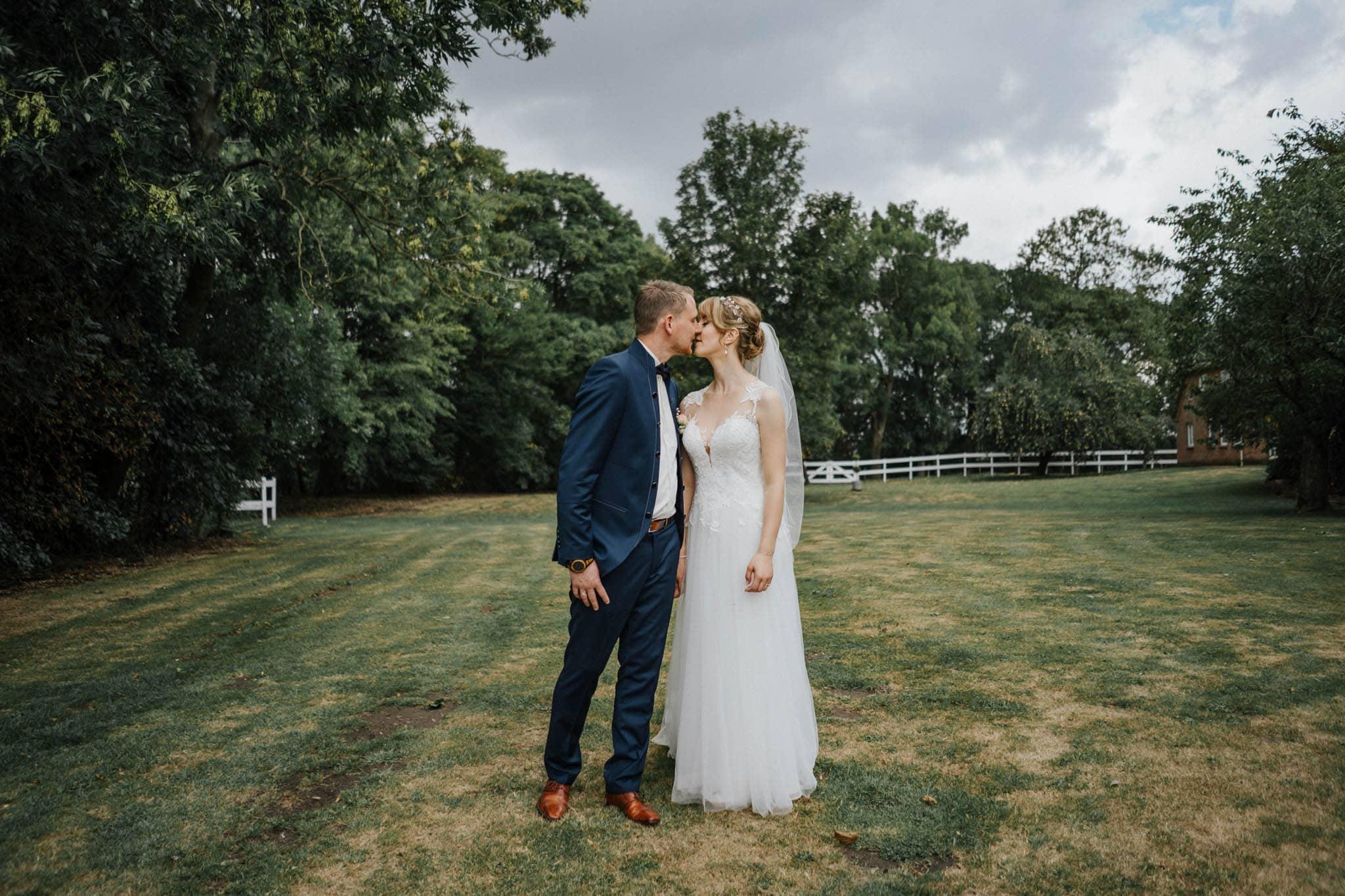 Hochzeitsfieber by Photo-Schomburg, Hoichzeitsfotograf, Hamburg, Wedding, Weddingtime, Hochzeitspaar, Braut, Bräutigam, Hochzeit im Norden,-91