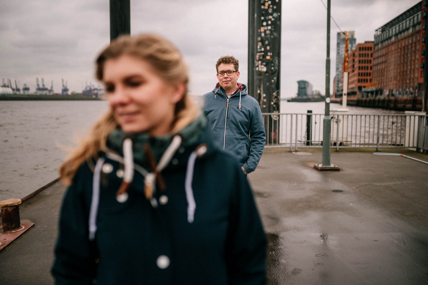 Engagementshooting, Hochzeitsfieber by Photo-Schomburg, Pärchenshoot, Hamburg, Elbe, Hamburger Hafen, Hochzeitsfotograf, Wedding, Coupleshoot-10