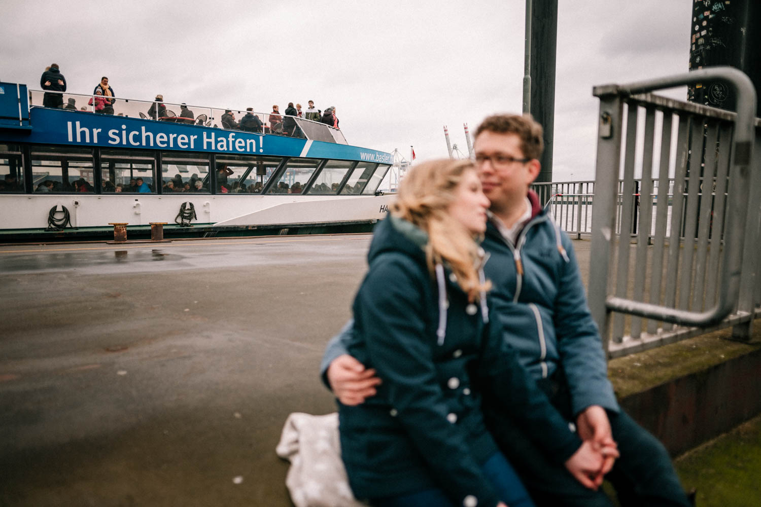 Engagementshooting, Hochzeitsfieber by Photo-Schomburg, Pärchenshoot, Hamburg, Elbe, Hamburger Hafen, Hochzeitsfotograf, Wedding, Coupleshoot-14