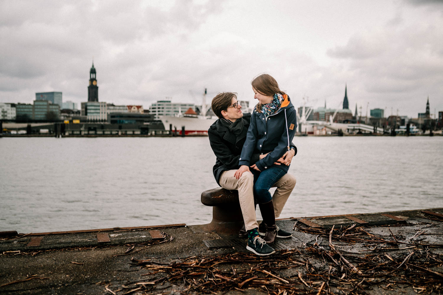 Hochzeitsfieber by Photo-Schomburg, Engagementshooting, Coupleshoot, Pärchenshoot, Hamburger Hafen,_-7