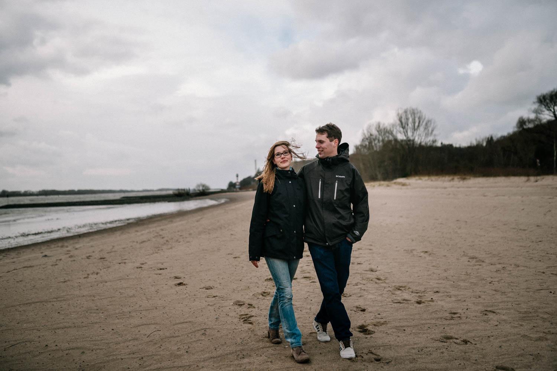 Hochzeitsfieber by Photo-Schomburg, Engagementshooting, Coupleshoot, Pärchenshoot, Elbstrom, Wedel, Hamburg-12