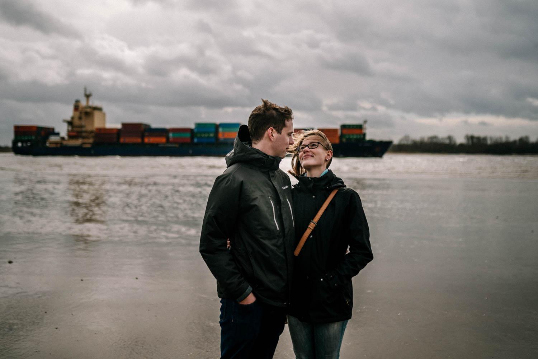 Hochzeitsfieber by Photo-Schomburg, Engagementshooting, Coupleshoot, Pärchenshoot, Elbstrom, Wedel, Hamburg-19