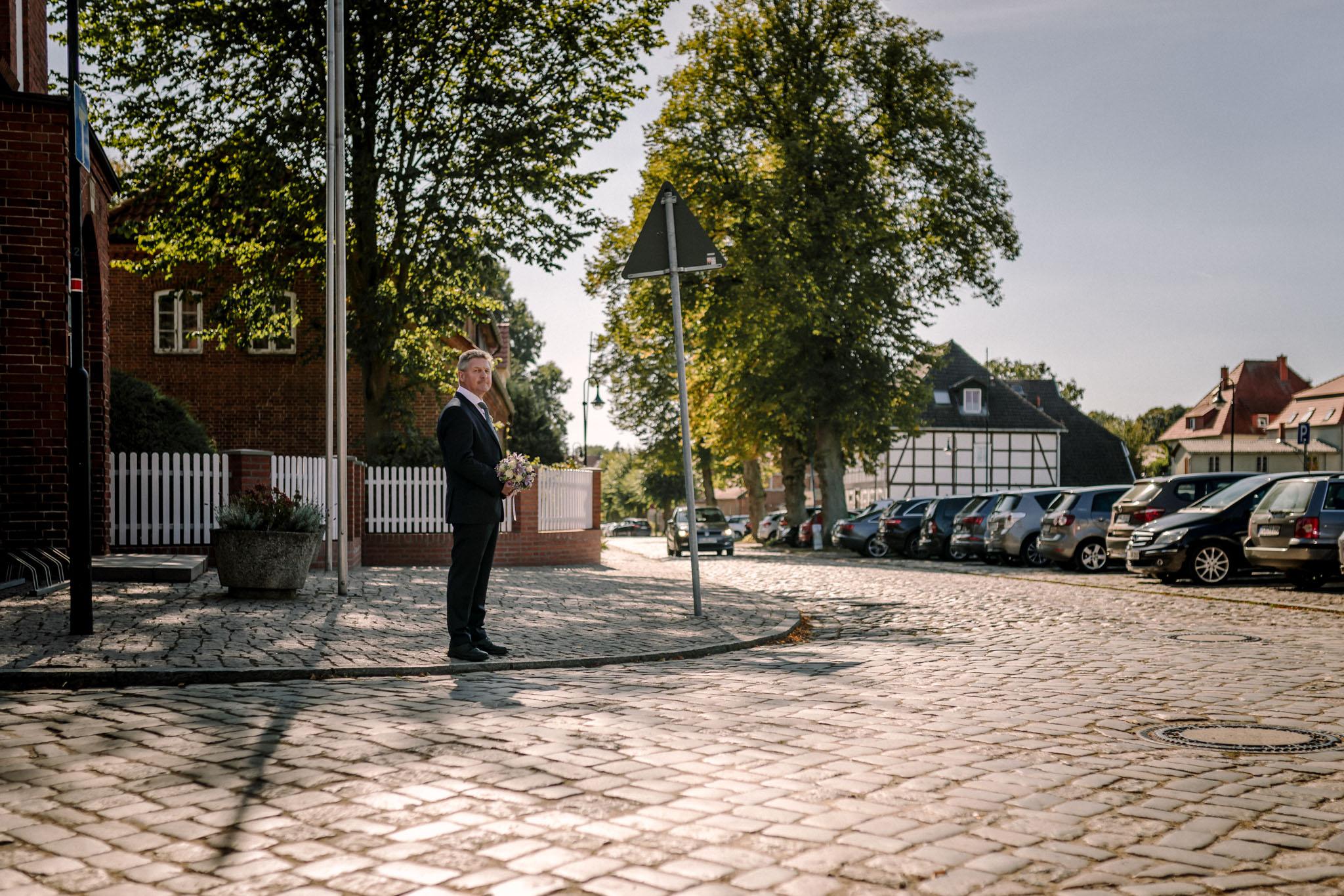 Hochzeitsfieber by Photo-Schomburg, Hochzeitsfotograf, Hamburg,Hochzeitstag, Hochzeitspaar, Braut, Bräutigam, Literaturhauscafe Zarrentin-10