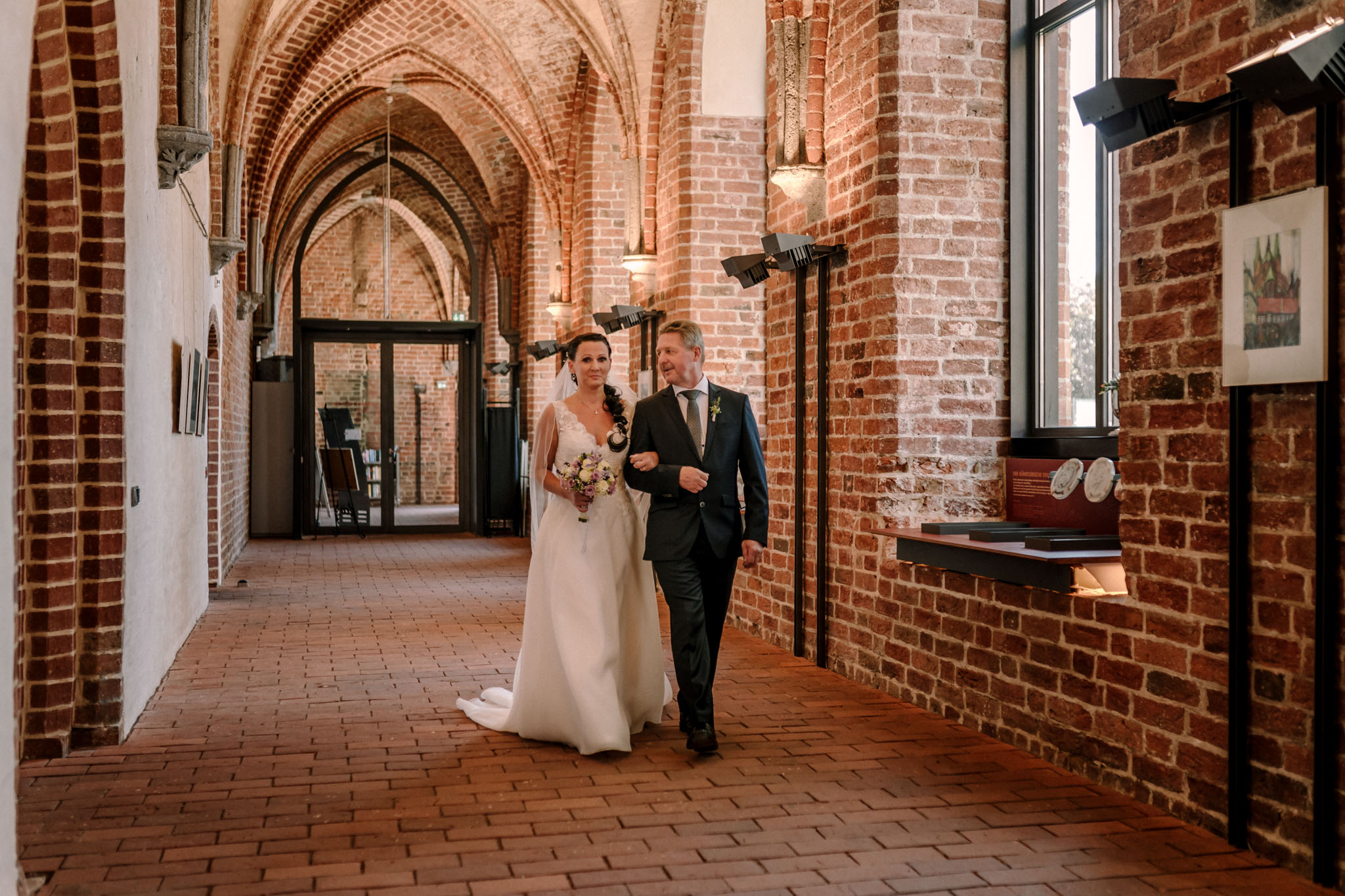 Hochzeitsfieber by Photo-Schomburg, Hochzeitsfotograf, Hamburg,Hochzeitstag, Hochzeitspaar, Braut, Bräutigam, Literaturhauscafe Zarrentin-18