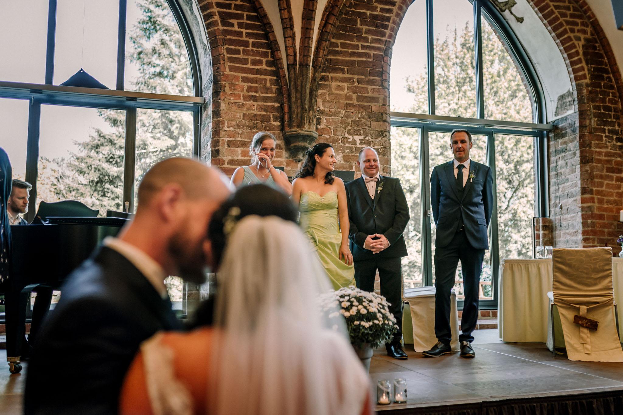 Hochzeitsfieber by Photo-Schomburg, Hochzeitsfotograf, Hamburg,Hochzeitstag, Hochzeitspaar, Braut, Bräutigam, Literaturhauscafe Zarrentin-22